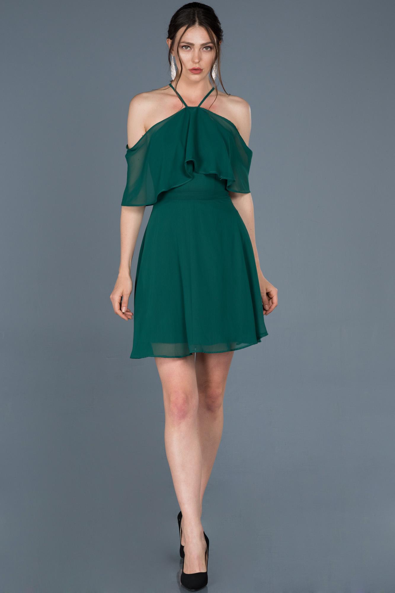 Zümrüt Yeşili Kısa Şifon Davet Elbisesi