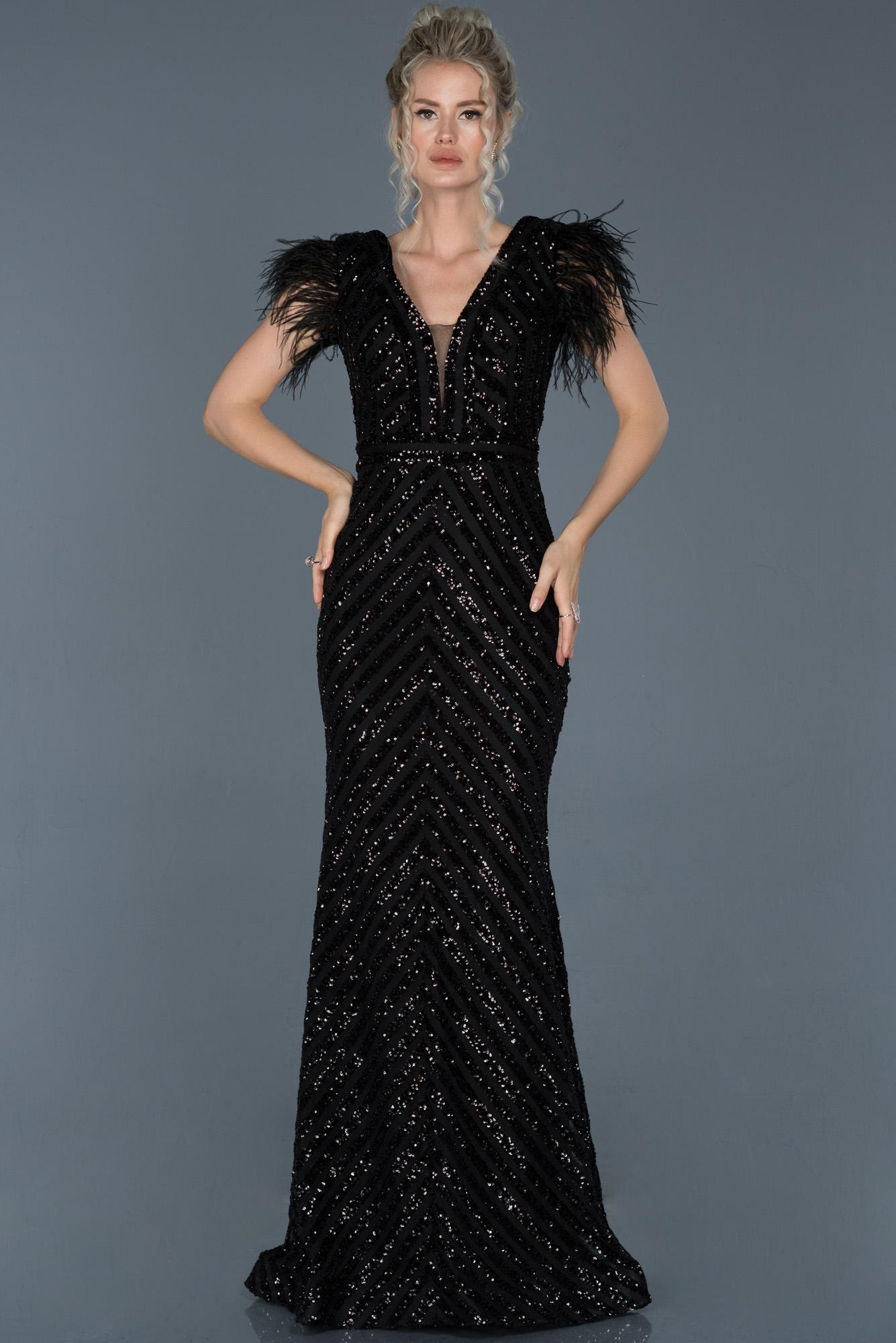 Siyah Uzun Pul Işlemeli Otrişli Abiye Elbise