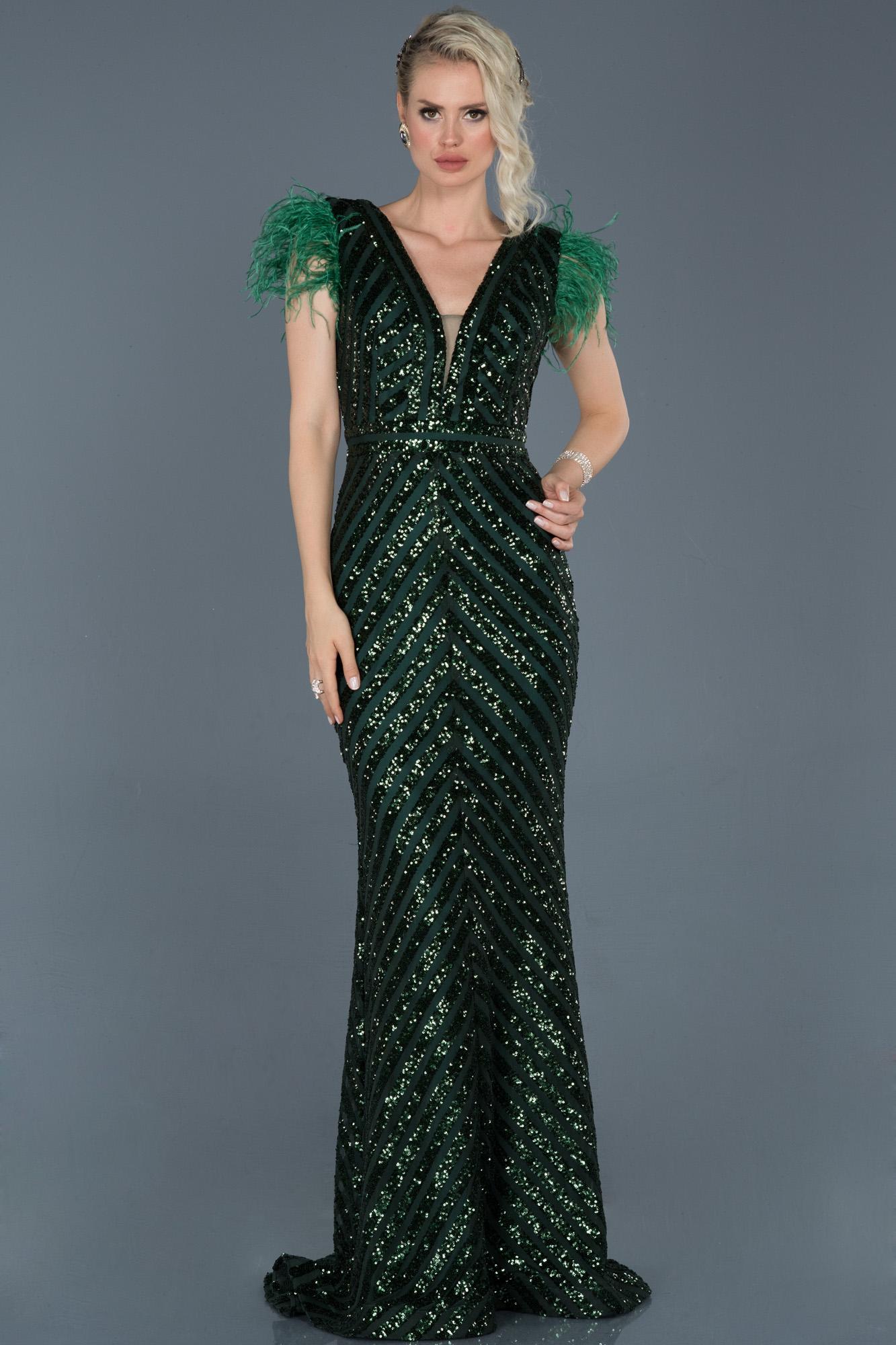 Zümrüt Yeşili Uzun Pul Işlemeli Otrişli Abiye Elbise