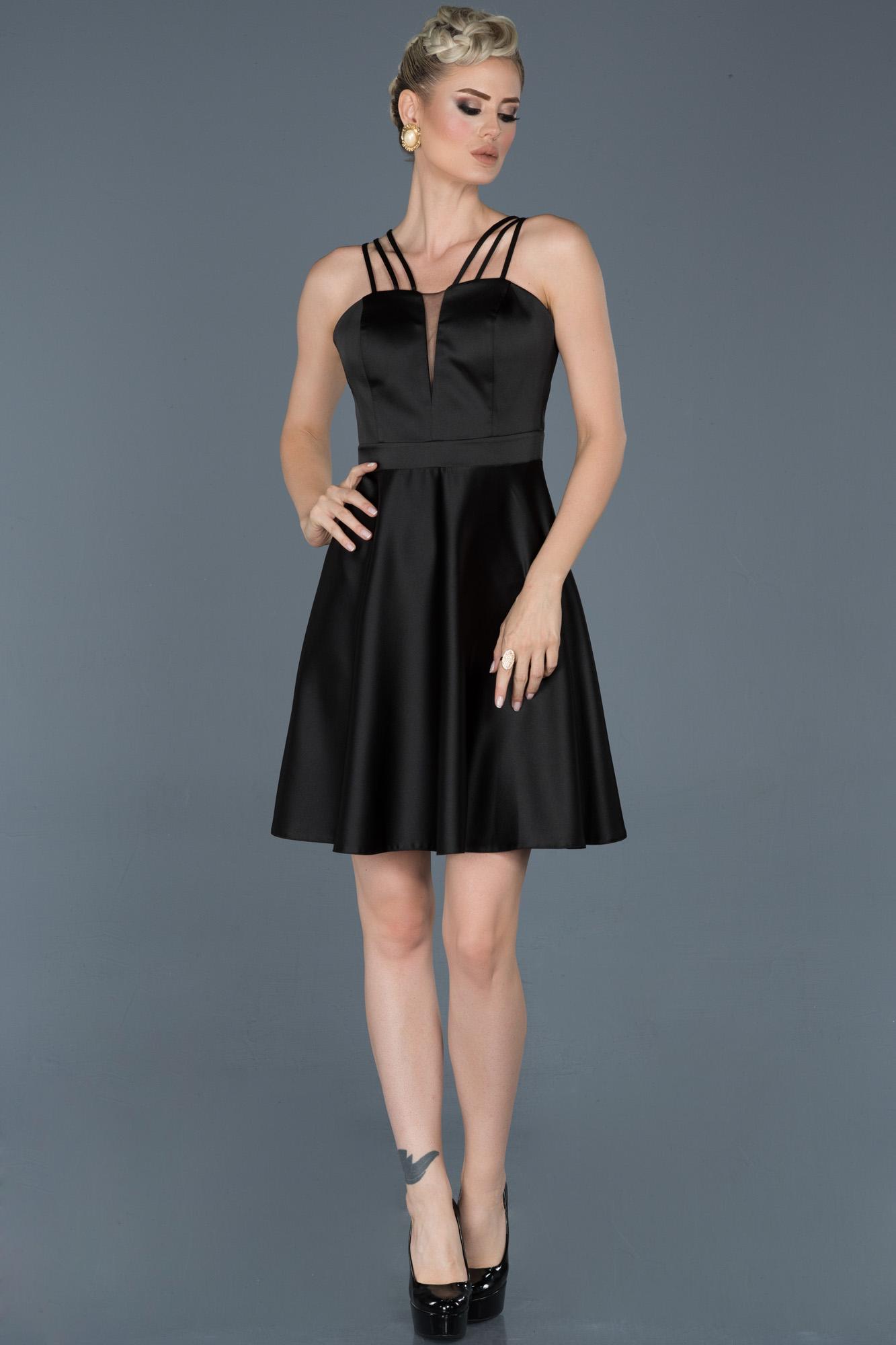 Siyah Kısa Saten Mezuniyet Elbisesi