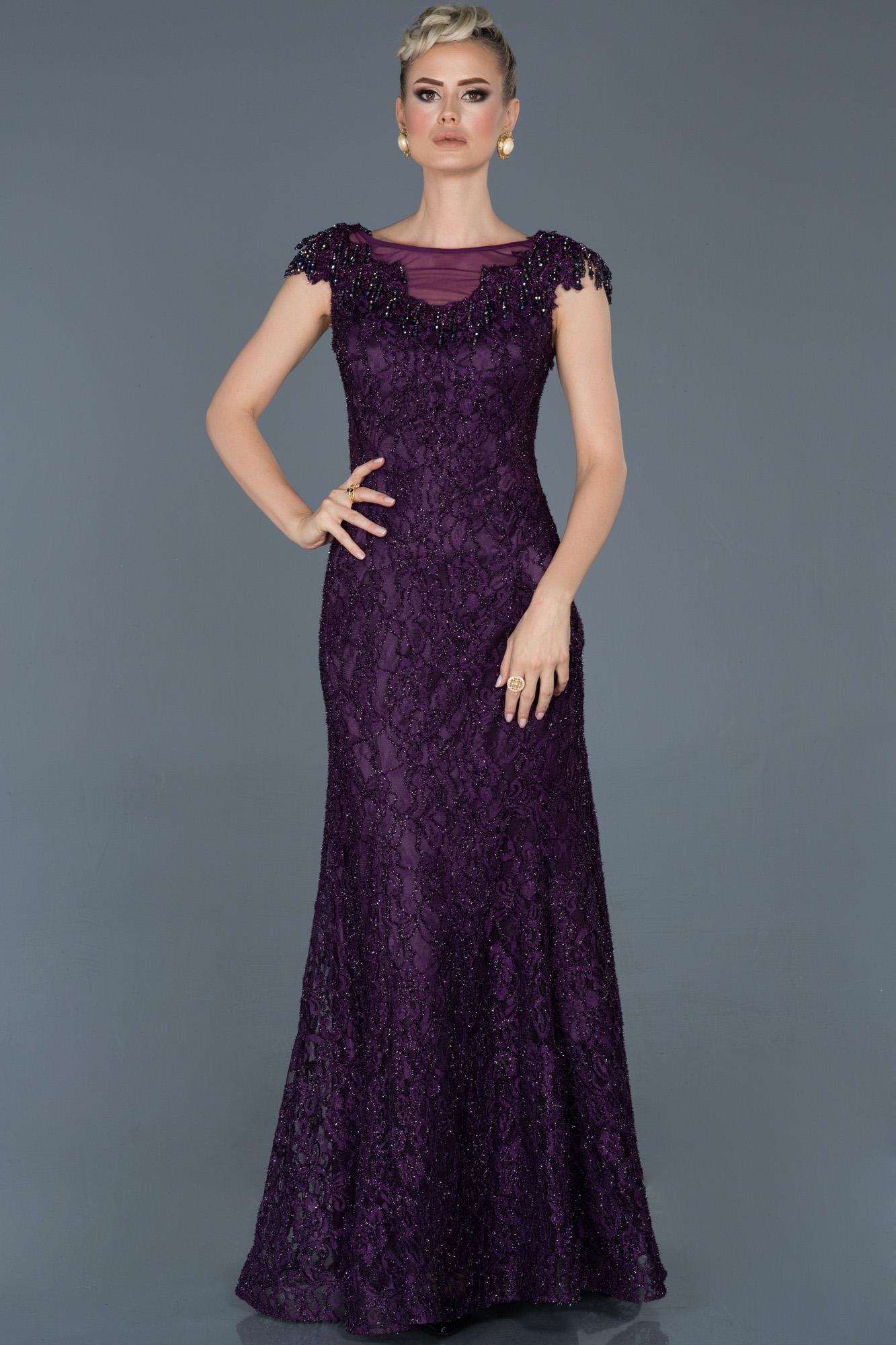Violet Uzun Güpürlü Taş Işlemeli Nişan Elbisesi