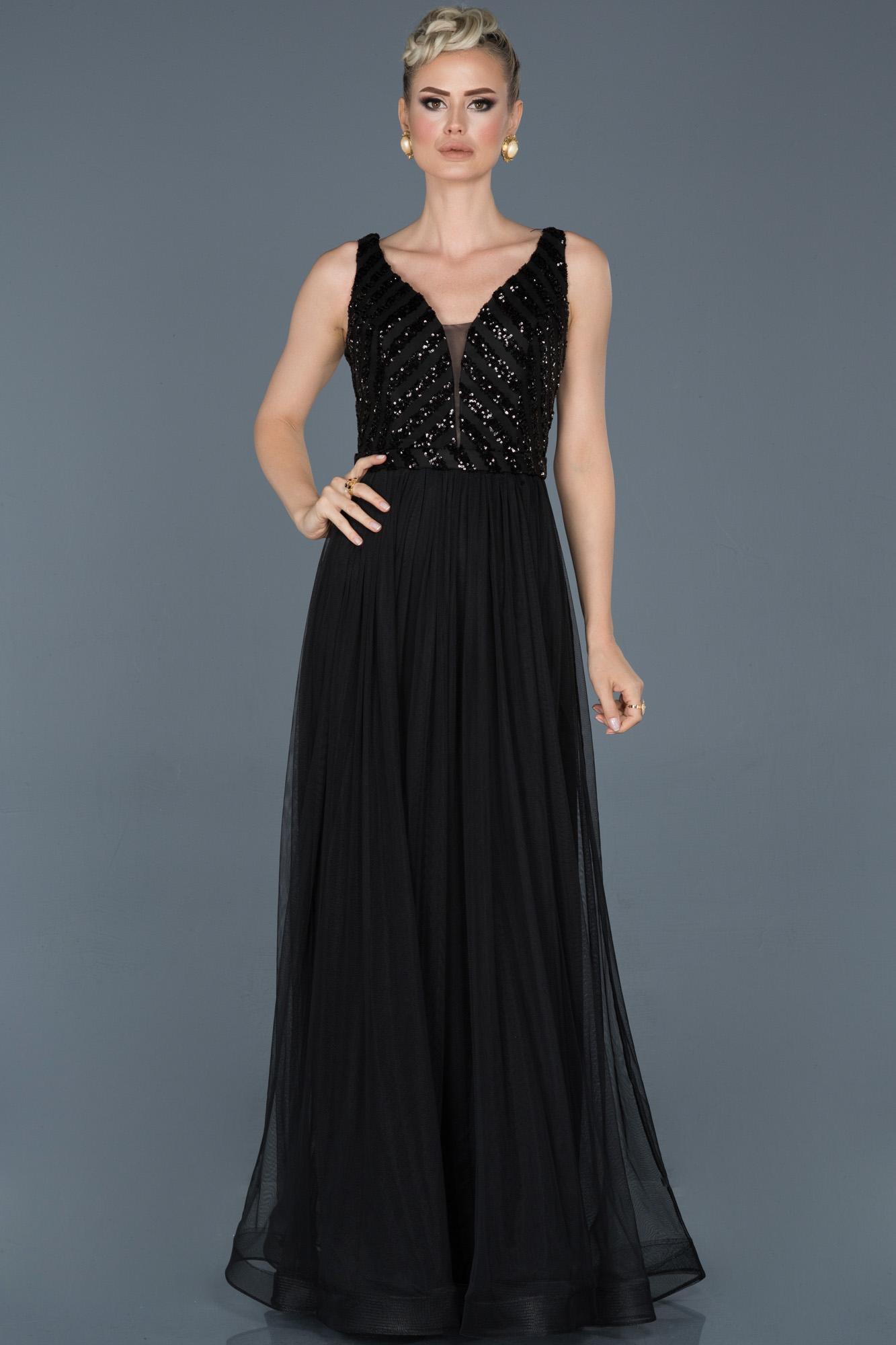 Siyah Uzun Payetli Nişan Elbisesi