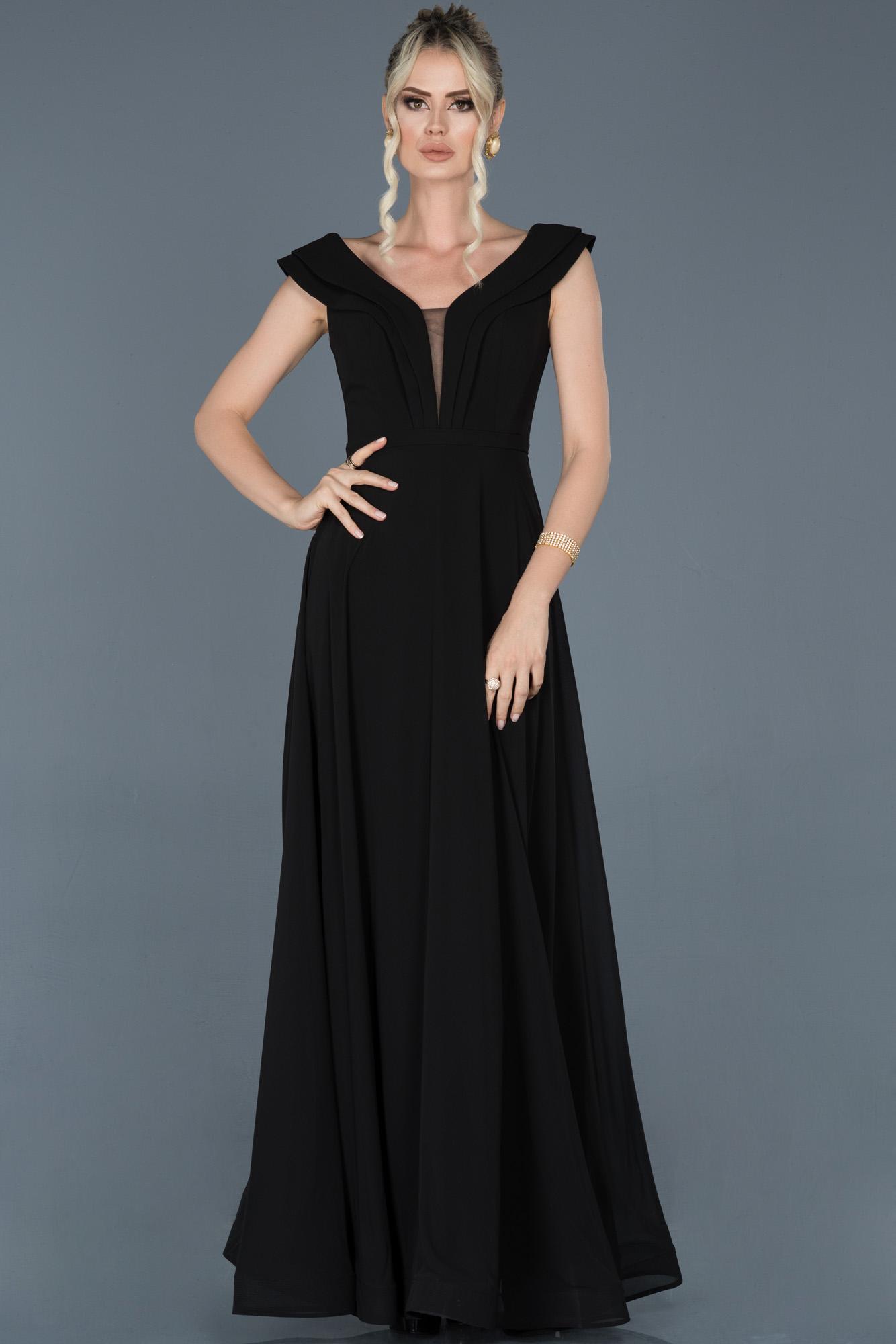 Siyah Uzun Yaka Detaylı Şifon Abiye Elbise