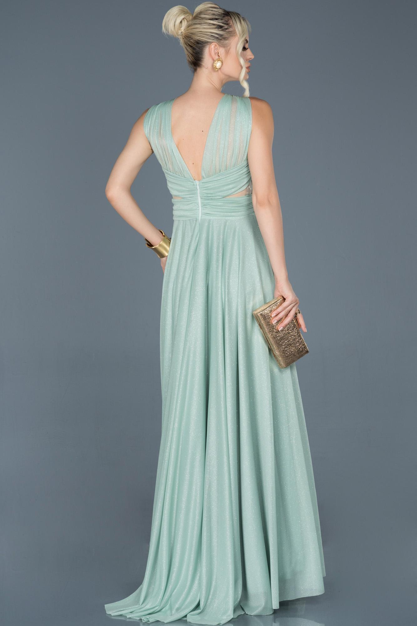 Firuze Uzun Kolsuz Sırt Dekolteli Nişan Elbisesi