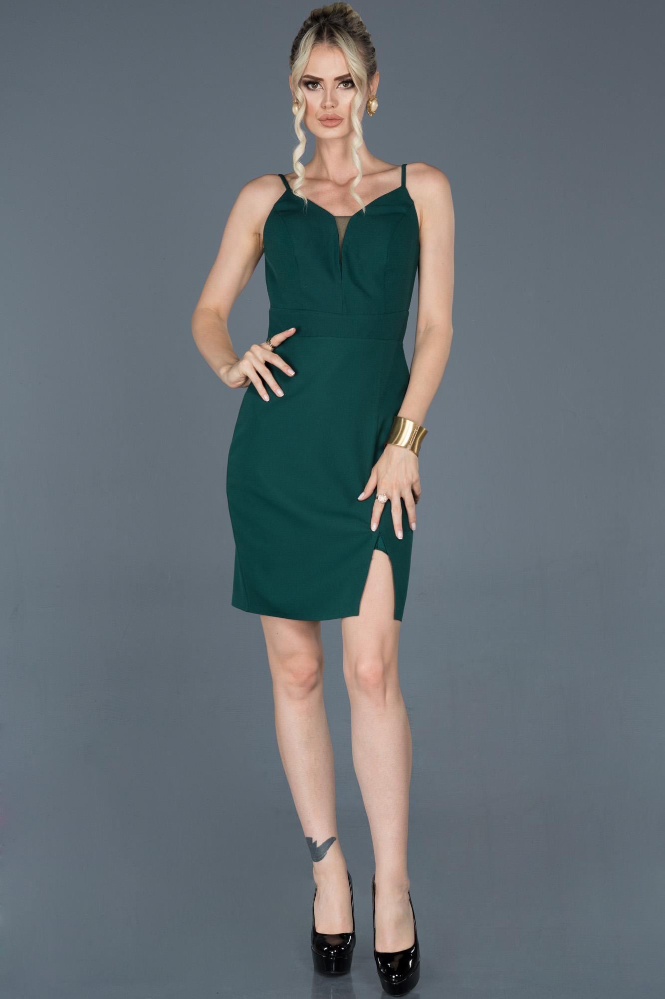 Zümrüt Yeşili Kısa Ip Askılı Davet Elbisesi