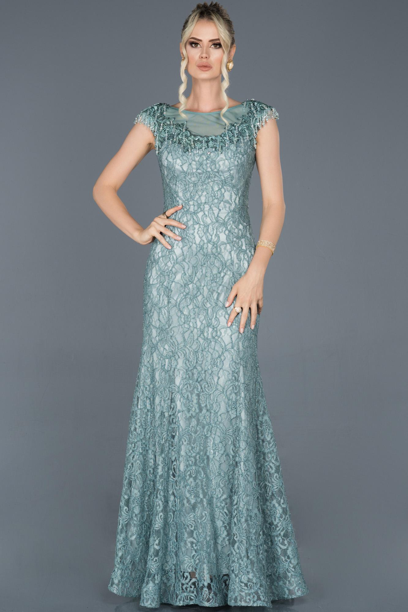 Firuze Uzun Güpürlü Taş Işlemeli Nişan Elbisesi