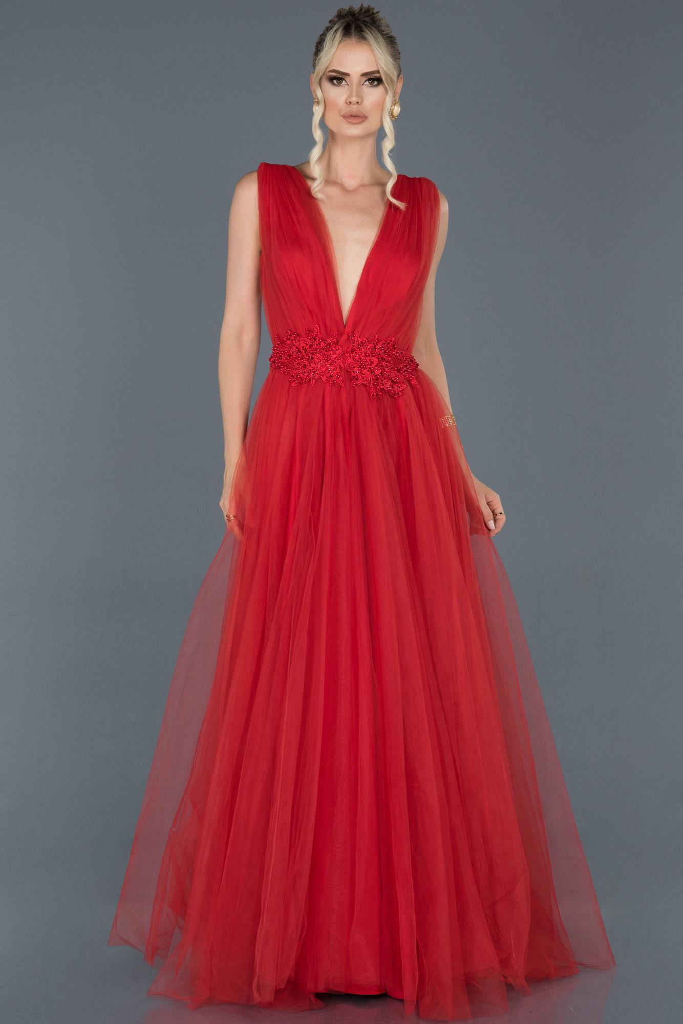 Kırmızı Uzun Göğüs Dekolteli Tül Abiye Elbise