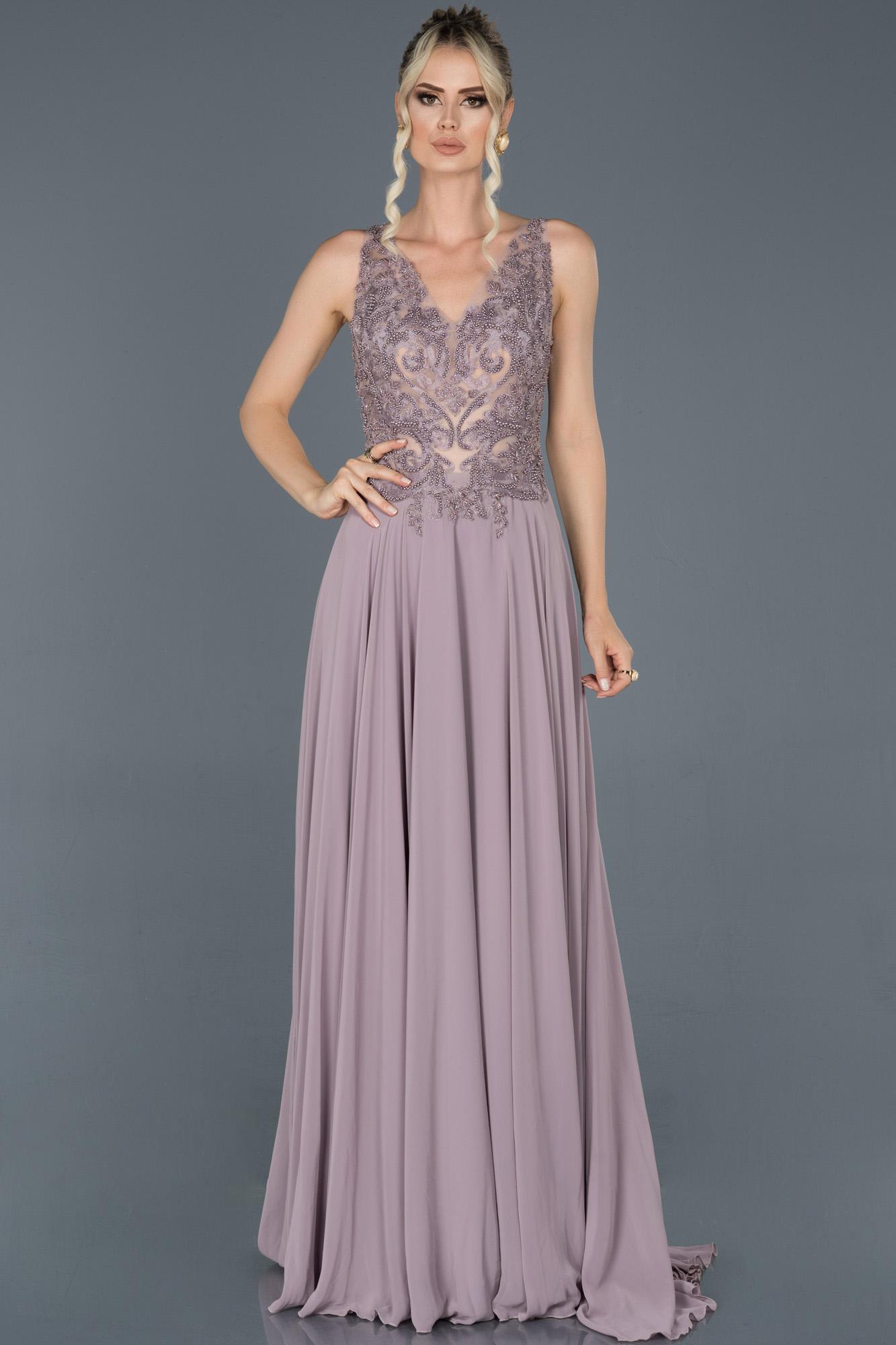 Lila Uzun Sırt Dekolteli Taşlı Nişan Elbisesi