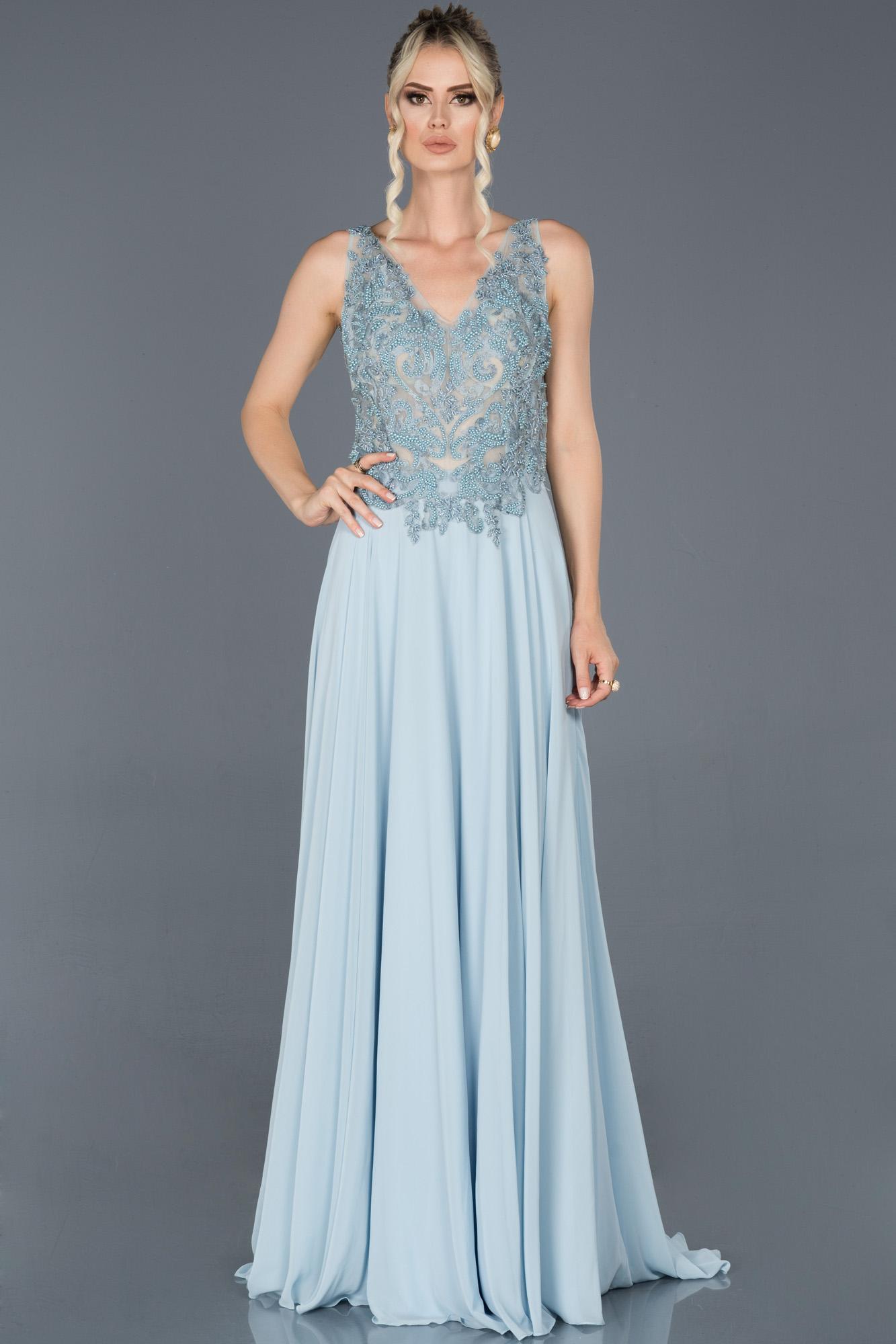 Mavi Uzun Sırt Dekolteli Taşlı Nişan Elbisesi