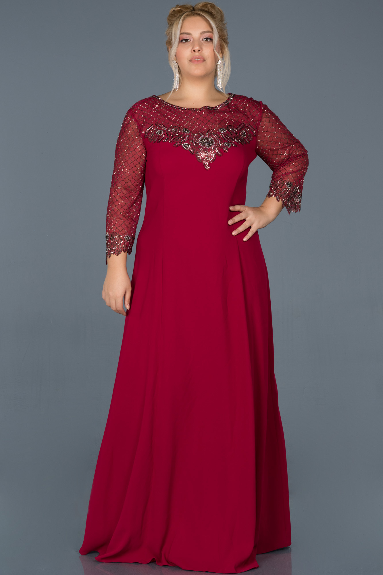 Kırmızı Uzun Taş Işlemeli Büyük Beden Davet Elbisesi