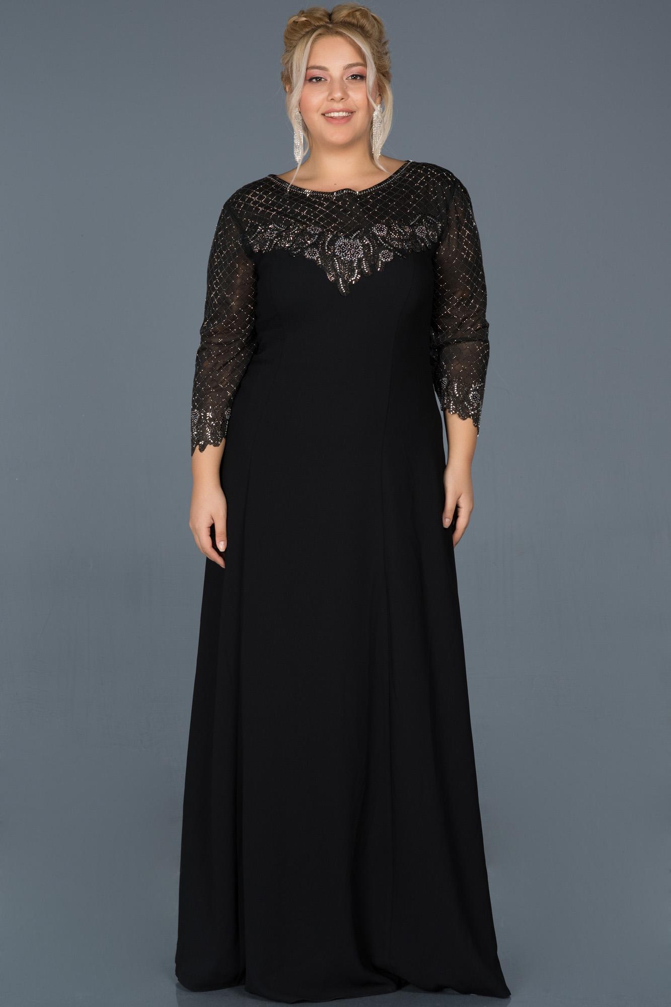 Siyah Uzun Taş Işlemeli Büyük Beden Davet Elbisesi