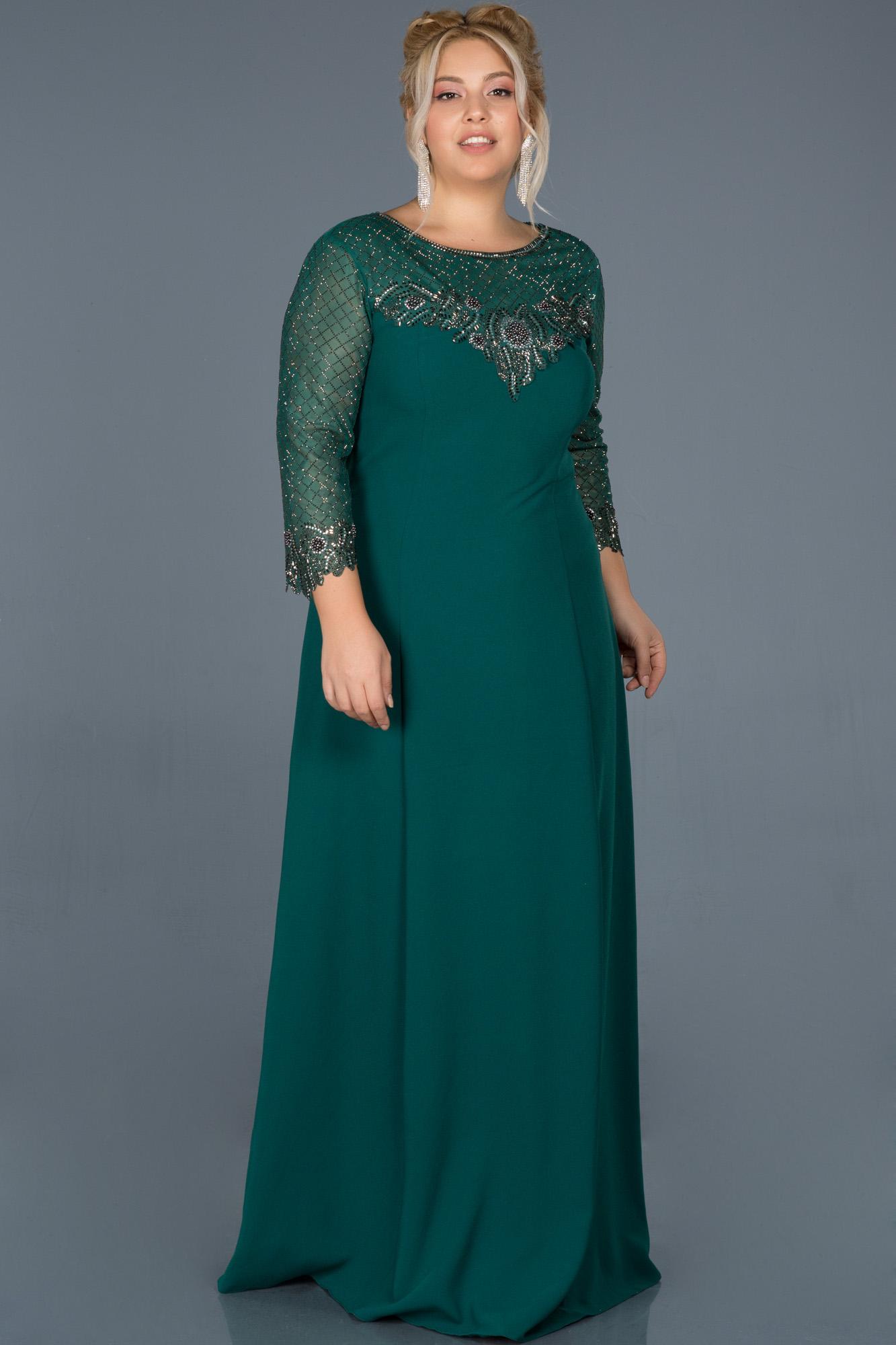 Zümrüt Yeşili Uzun Taş Işlemeli Büyük Beden Davet Elbisesi