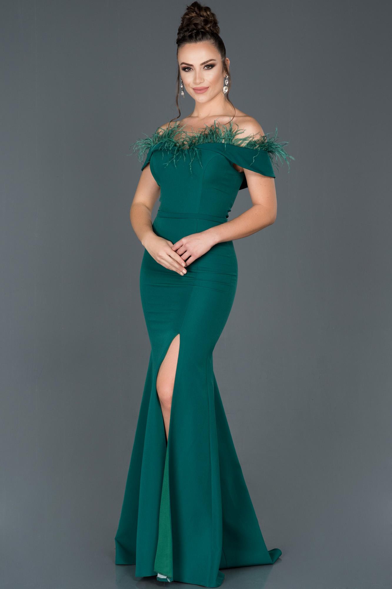 Zümrüt Yeşili Uzun Bacak Dekolteli Otrişli Balık Abiye Elbise