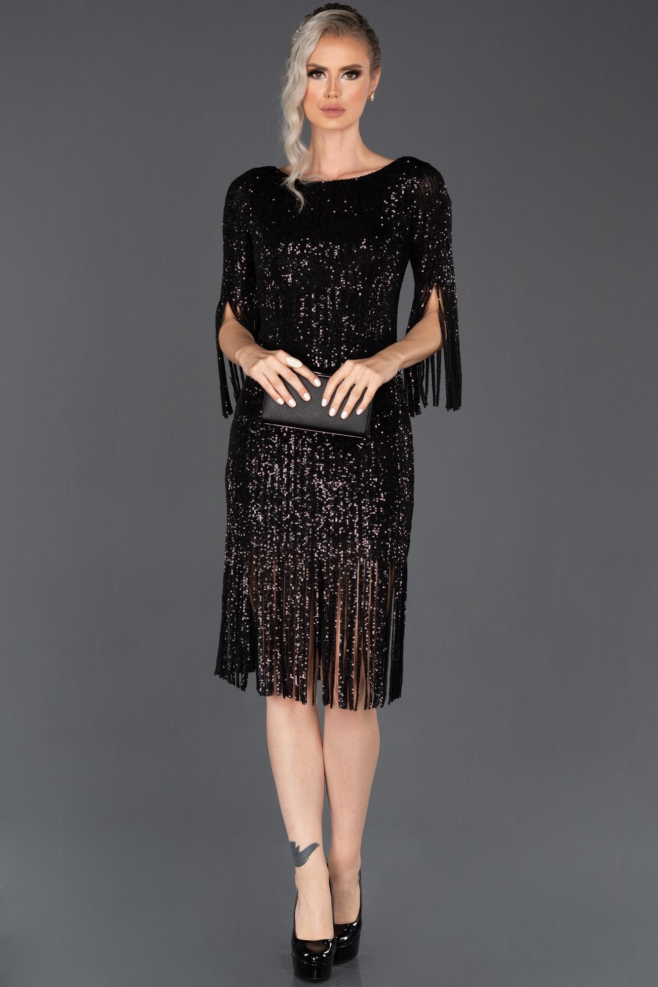 Siyah Kısa Püsküllü Pul Payetli Davet Elbisesi