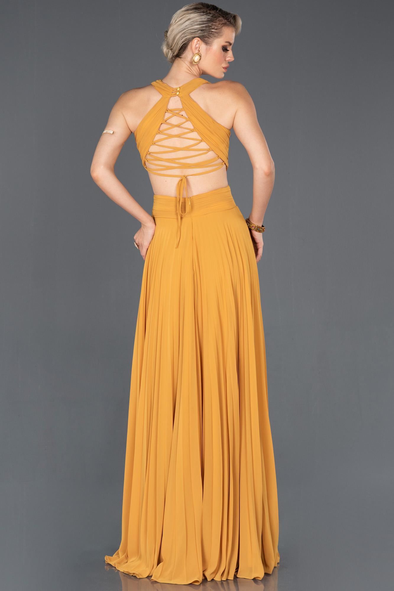 Safran Uzun Sırt Dekolteli Mezuniyet Elbisesi