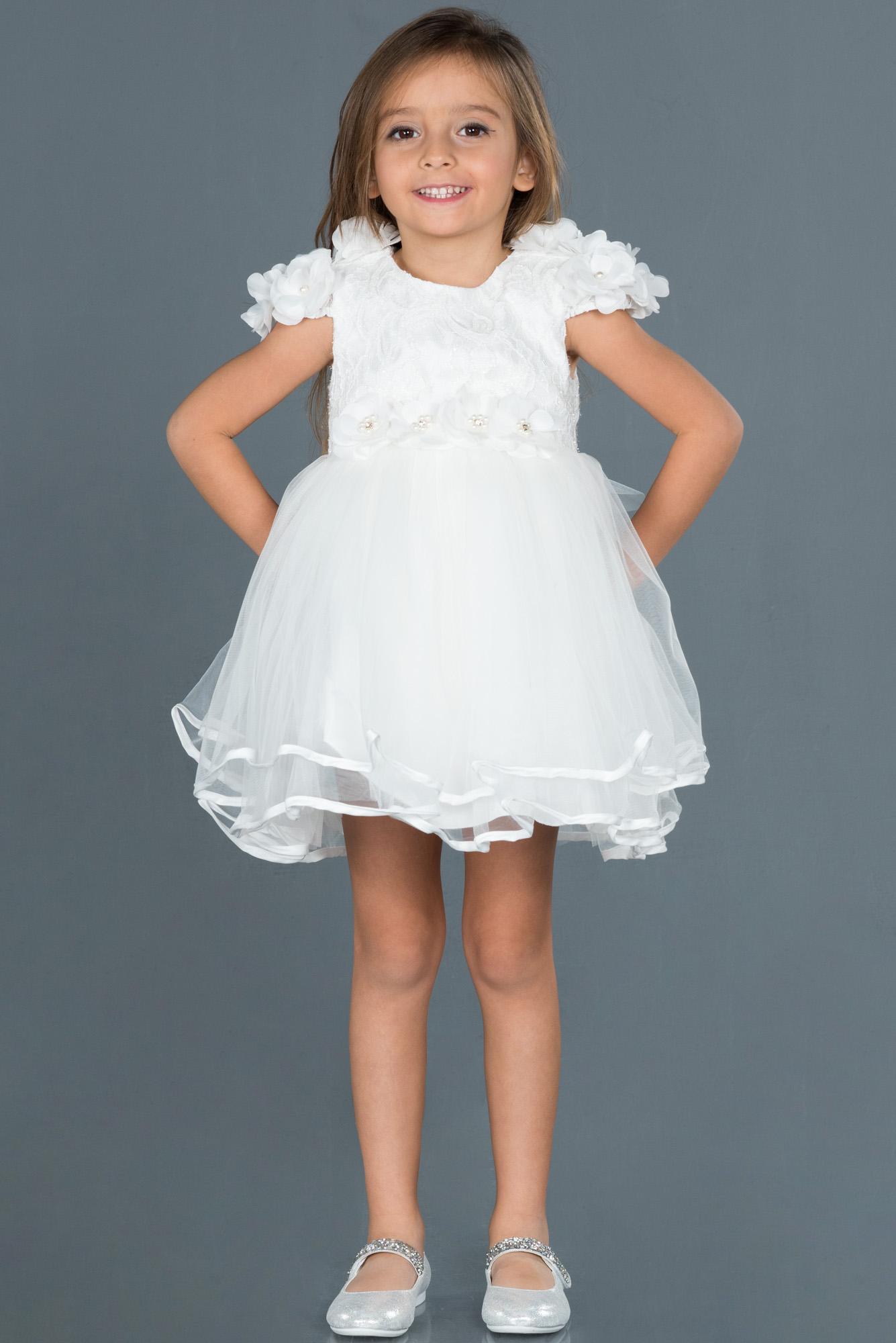 Beyaz Çiçek Detaylı Çocuk Abiye