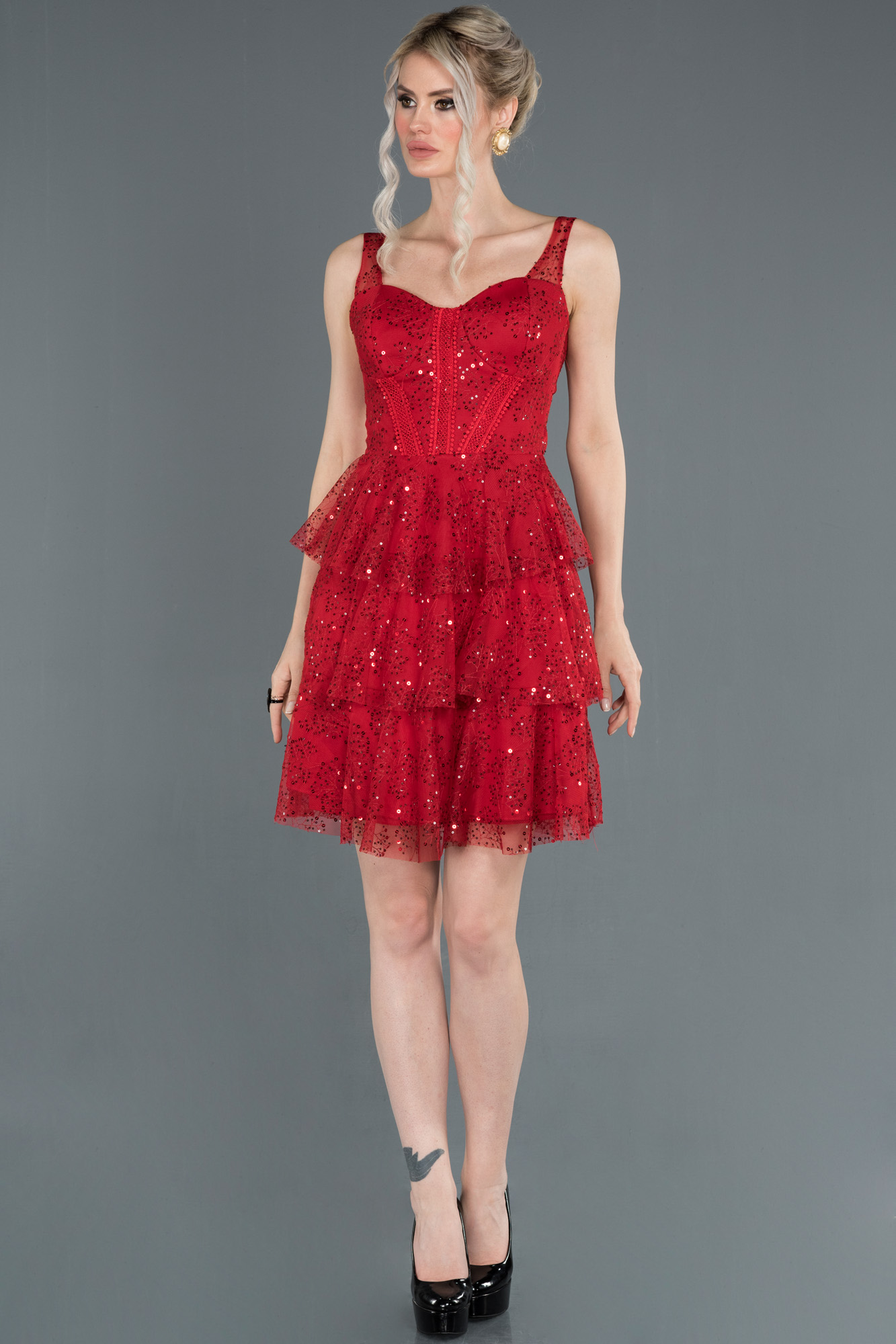 Kırmızı Etekleri Katlı Pul Payetli Abiye Elbise