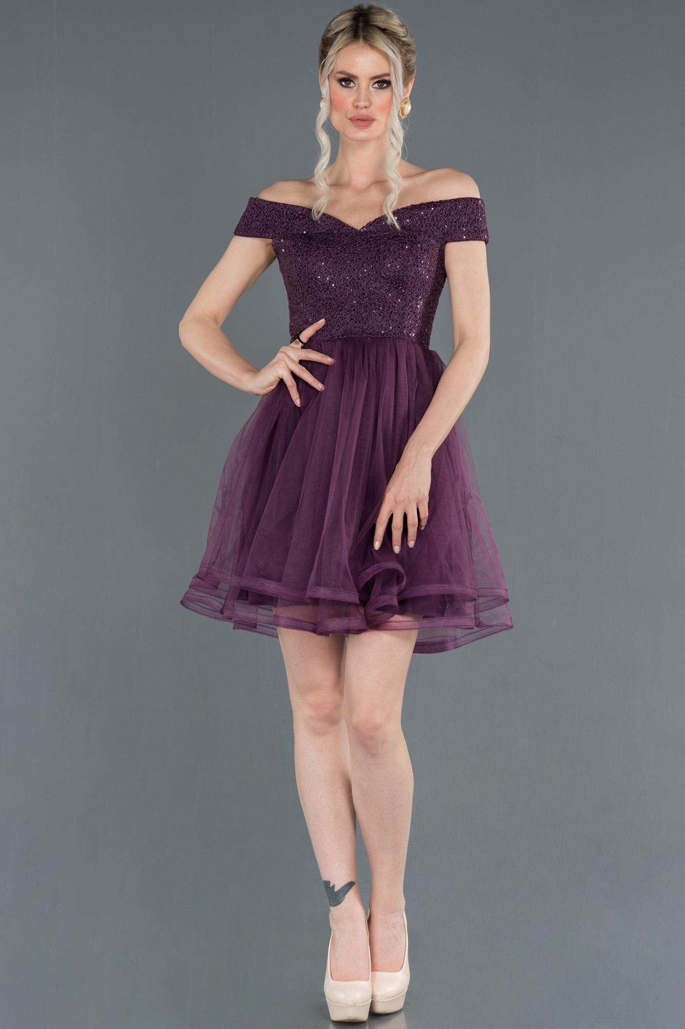 Koyu Mor Kayık Yaka Mezuniyet Elbisesi