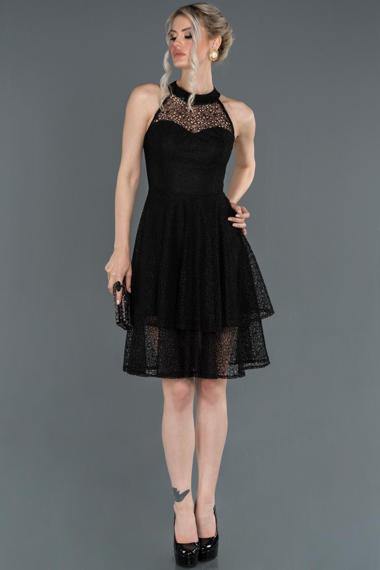 Siyah Etekleri Katlı Dantel Abiye Elbise