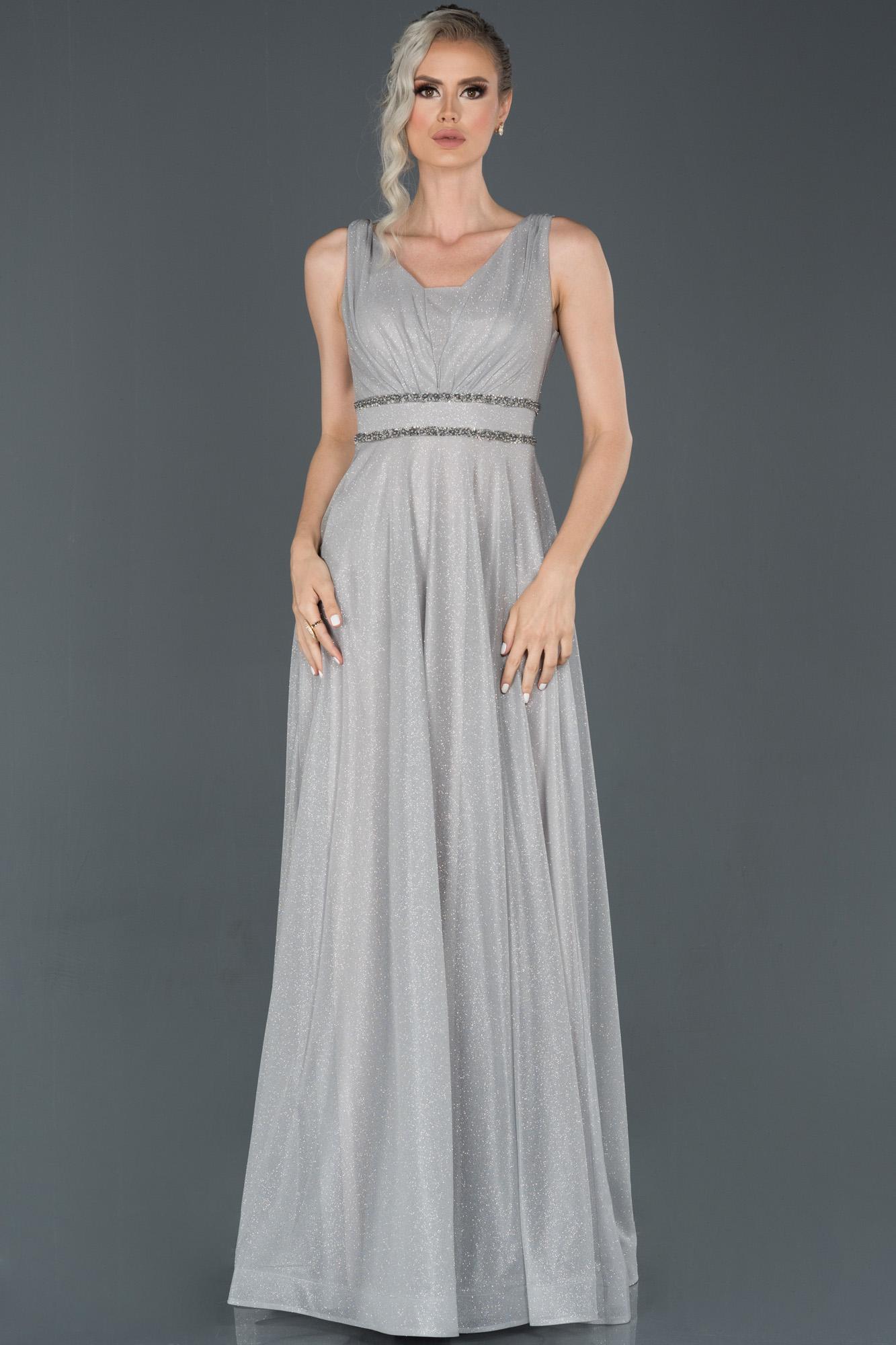 Gümüş Uzun Simli Dekoltesiz Abiye Elbise