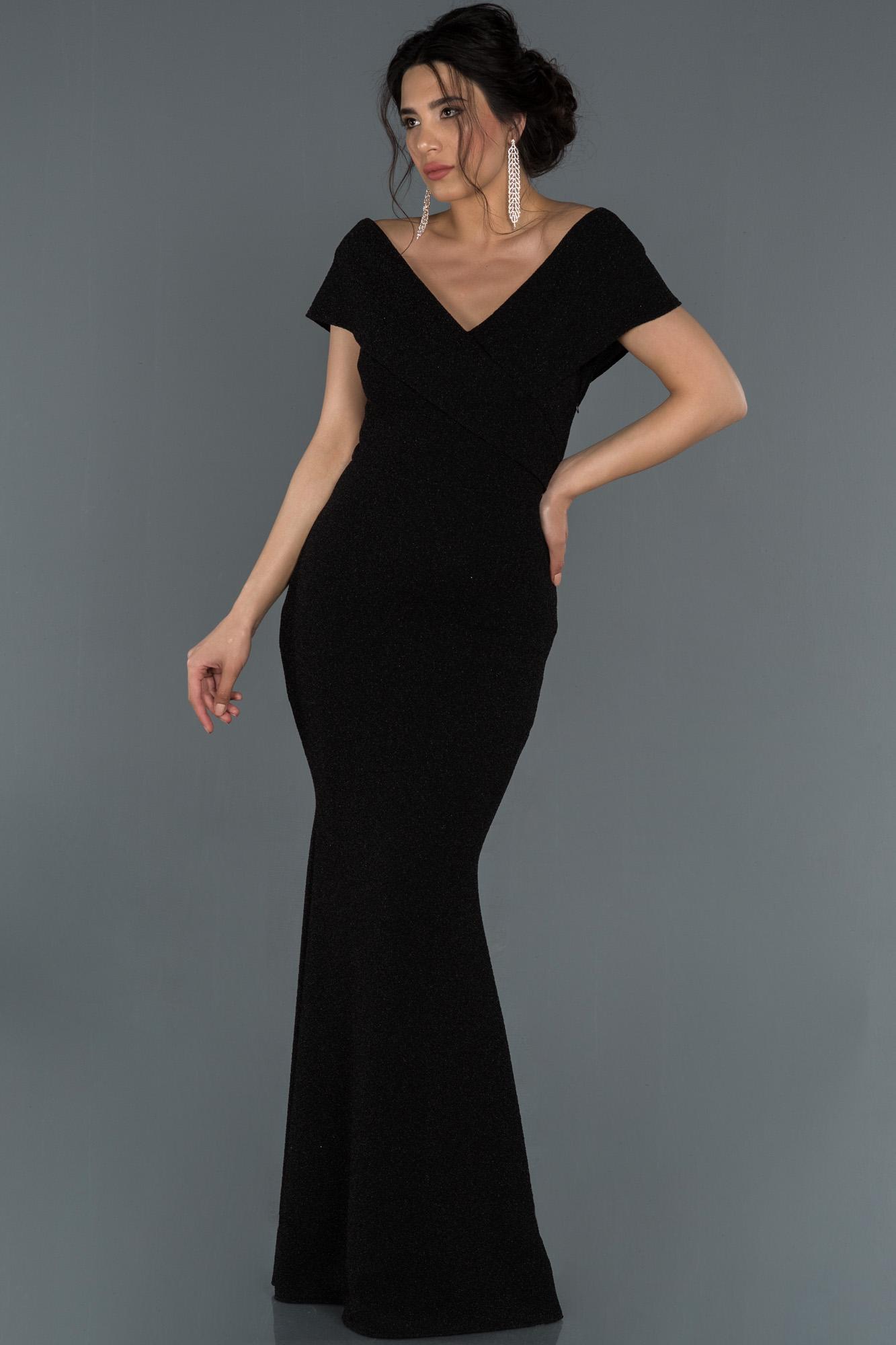 Siyah Uzun Dekoltesiz Balık Abiye Elbise