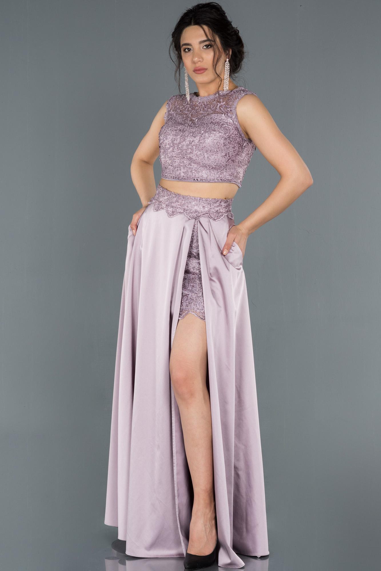 Lavanta Bacak Dekolteli Güpürlü Saten Abiye Elbise