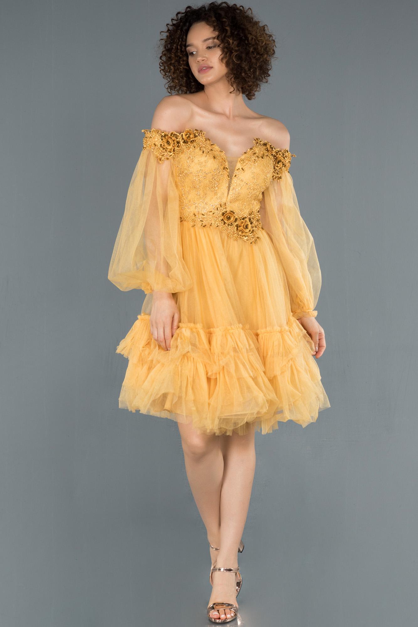Sarı Balon Kol Işlemeli Straplez Abiye