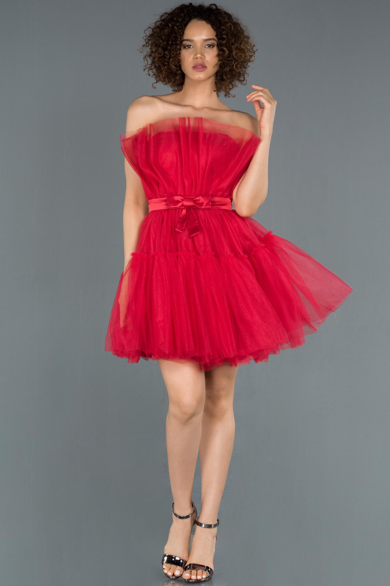 Kırmızı Straplez Mini Davet Elbisesi