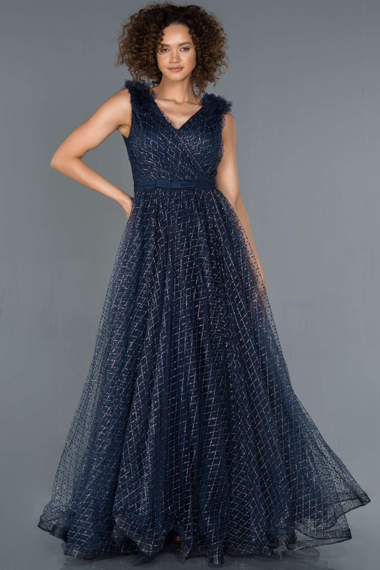Lacivert V Yaka Sim Detaylı Prenses Abiye Elbise