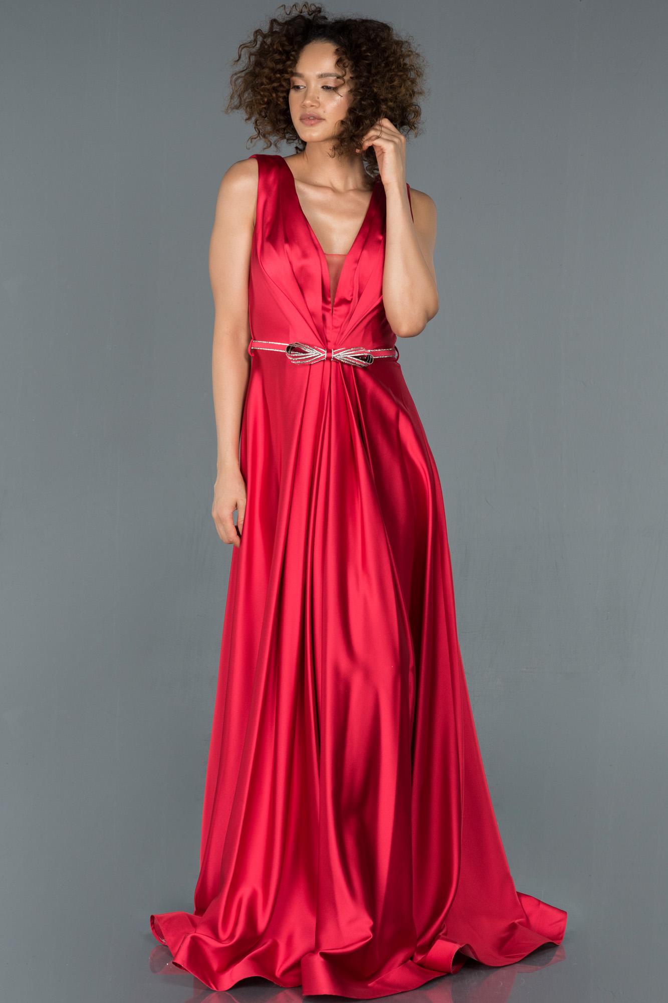 Kırmızı Kemerli V Yaka Saten Abiye Elbise