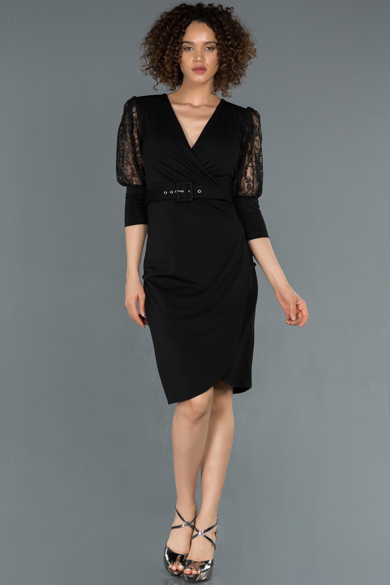 Siyah Kruvaze Yaka Transparan Detaylı Davet Elbisesi