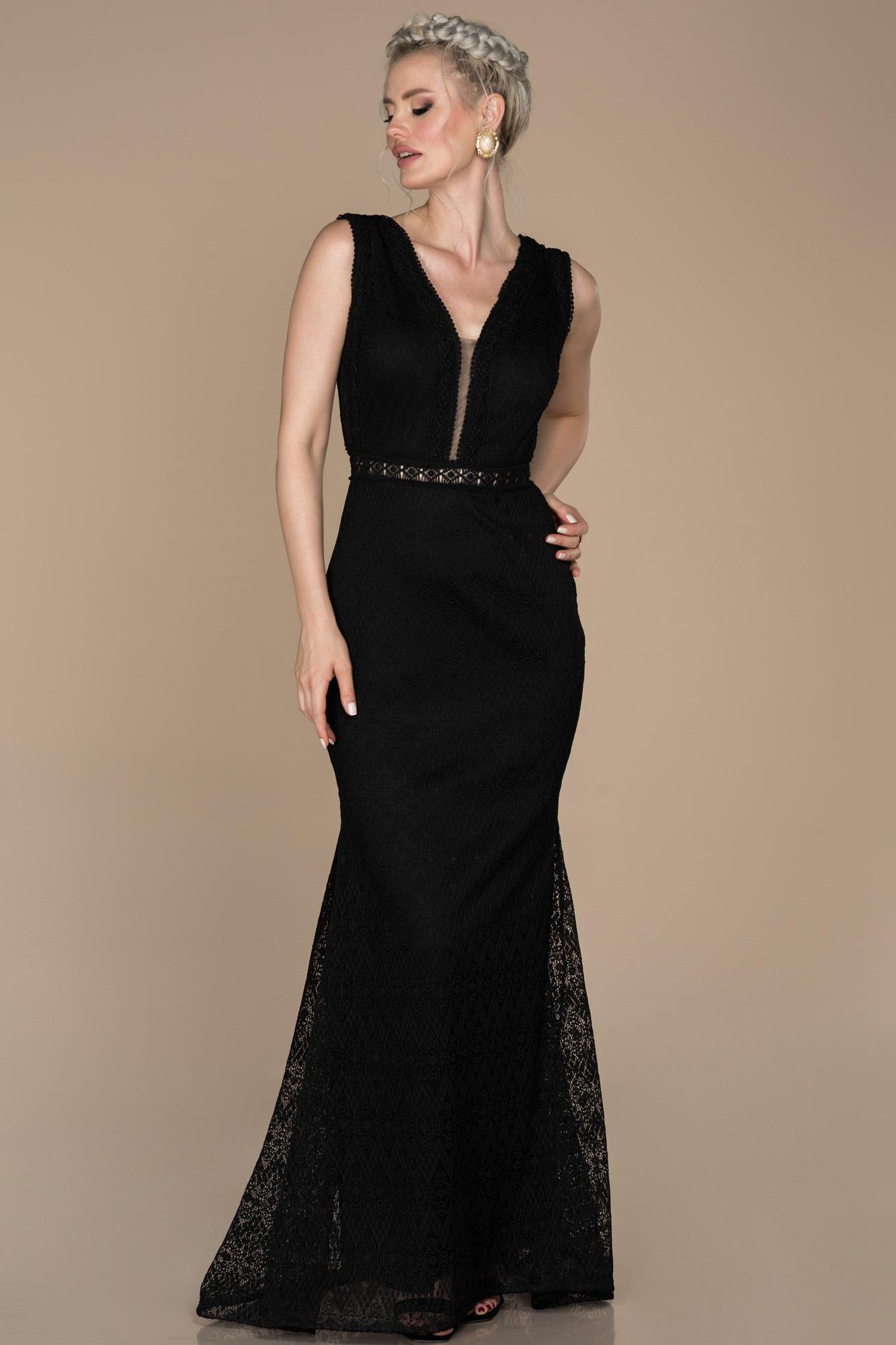 Siyah V Yaka Güpürlü Abiye Elbise