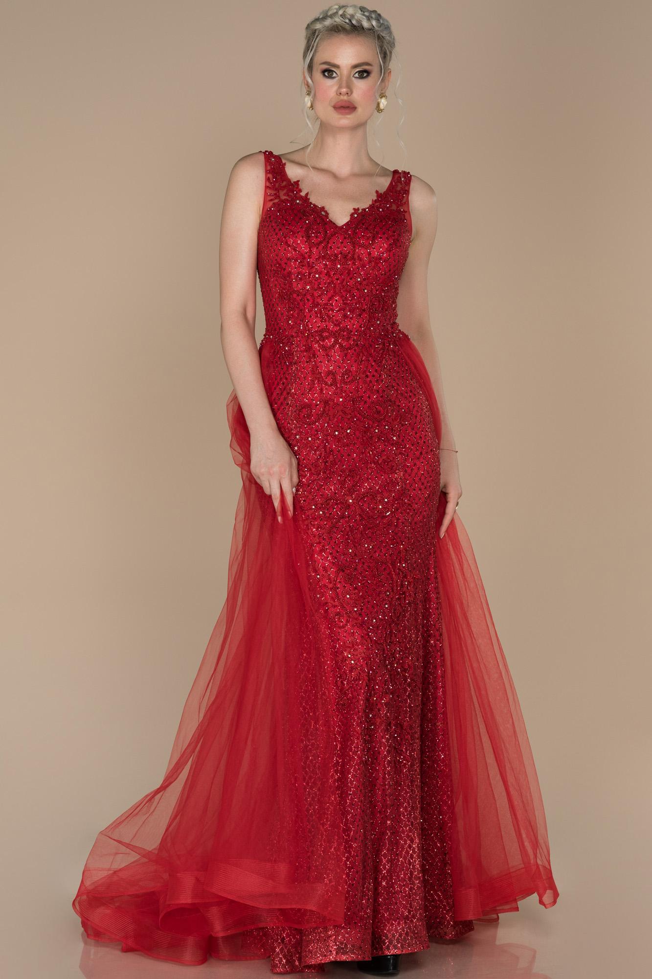 Kırmızı V Yaka Işlemeli Kuyruk Detaylı Abiye Elbise