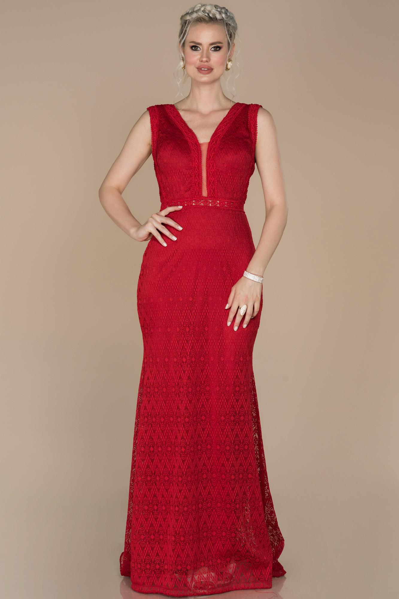 Kırmızı V Yaka Güpürlü Abiye Elbise