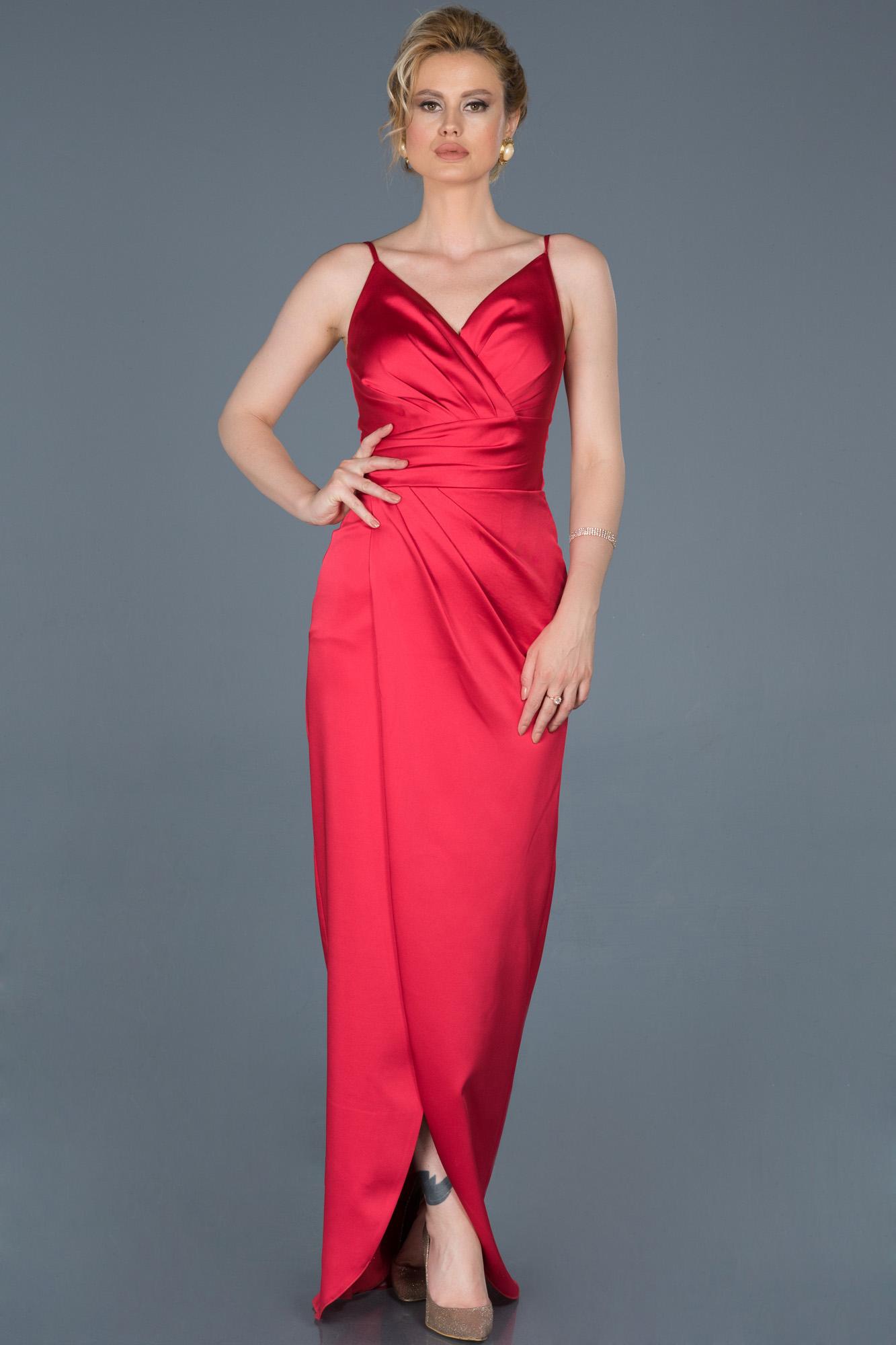 Kırmızı Uzun Yırtmaçlı V Yaka Abiye Elbise