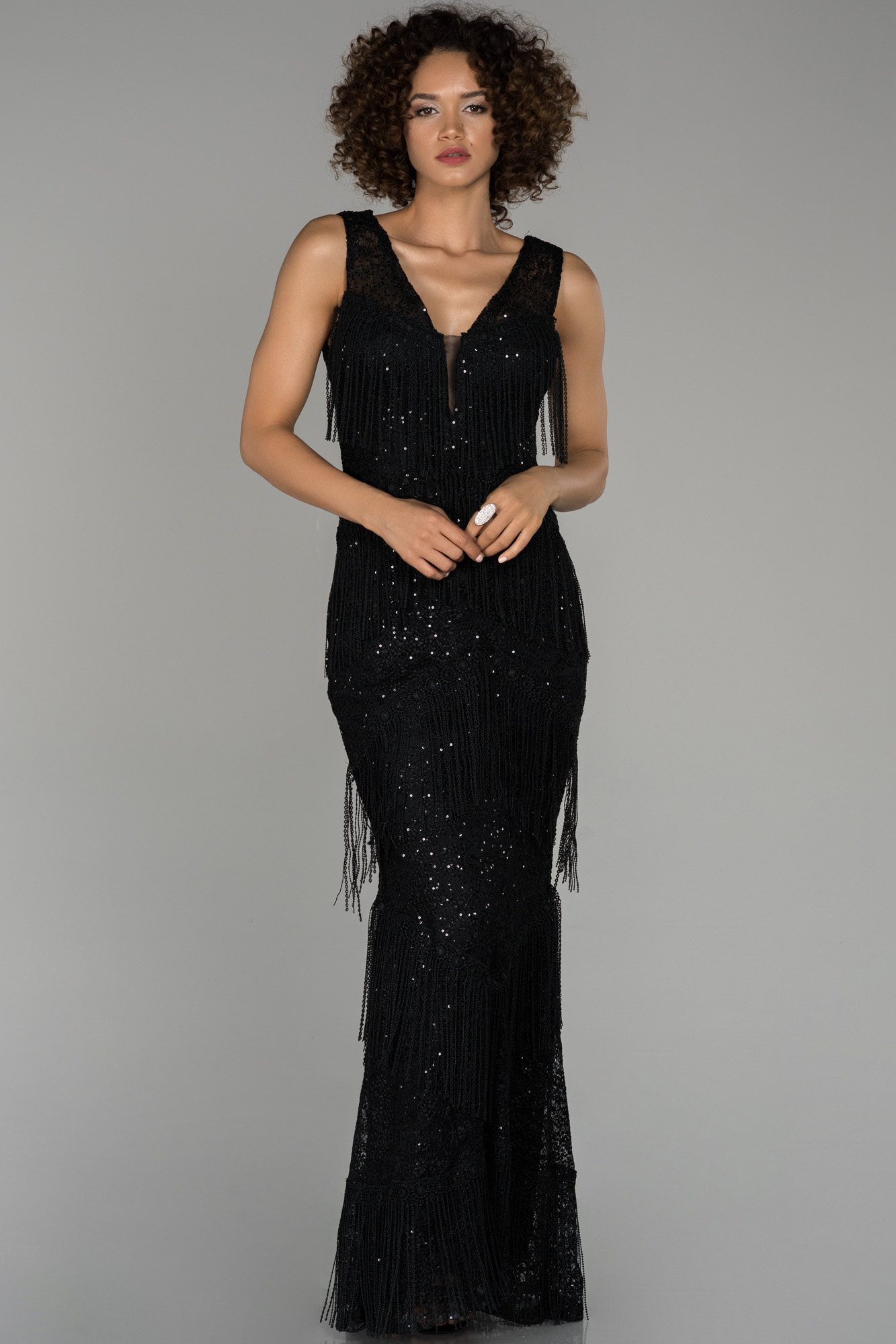 Siyah Uzun Püsküllü Pul Detaylı Abiye Elbise