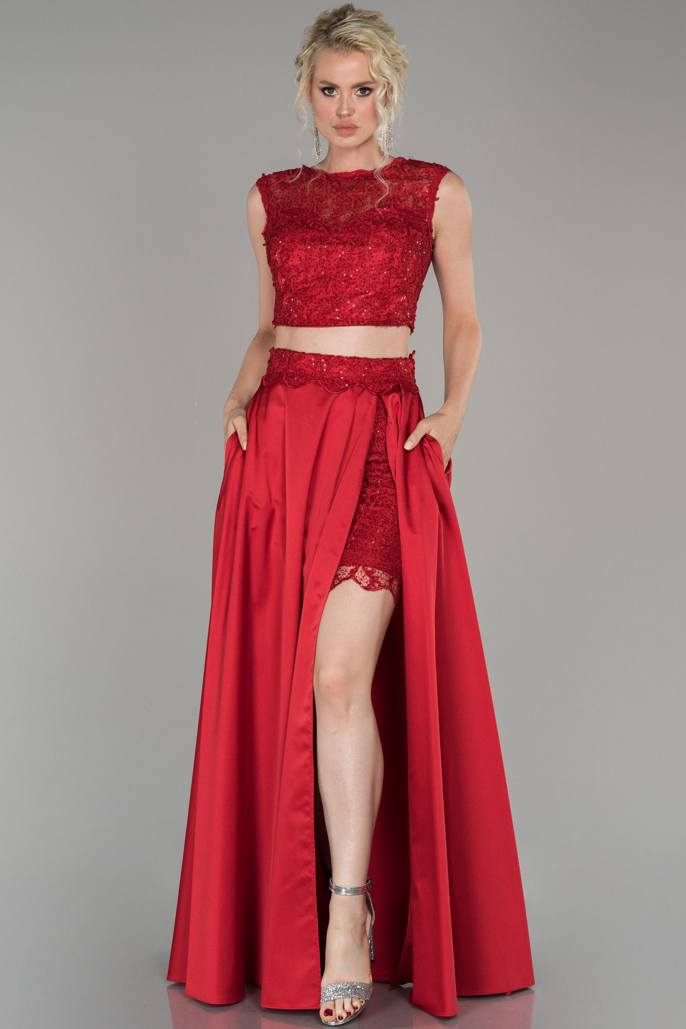 Kırmızı Bacak Dekolteli Güpürlü Saten Abiye Elbise