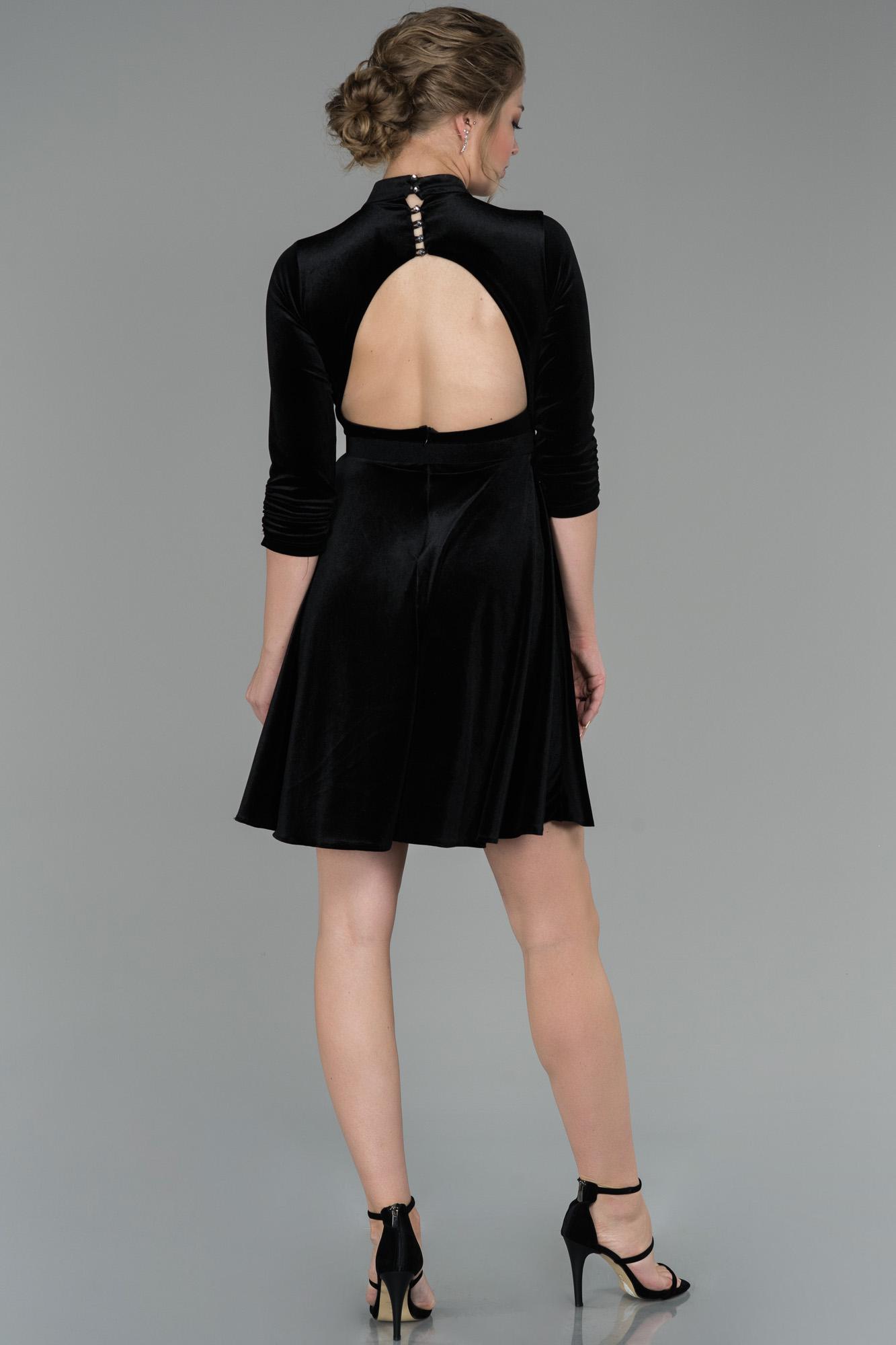 Siyah Sırt Dekolteli Kadife Abiye Elbise