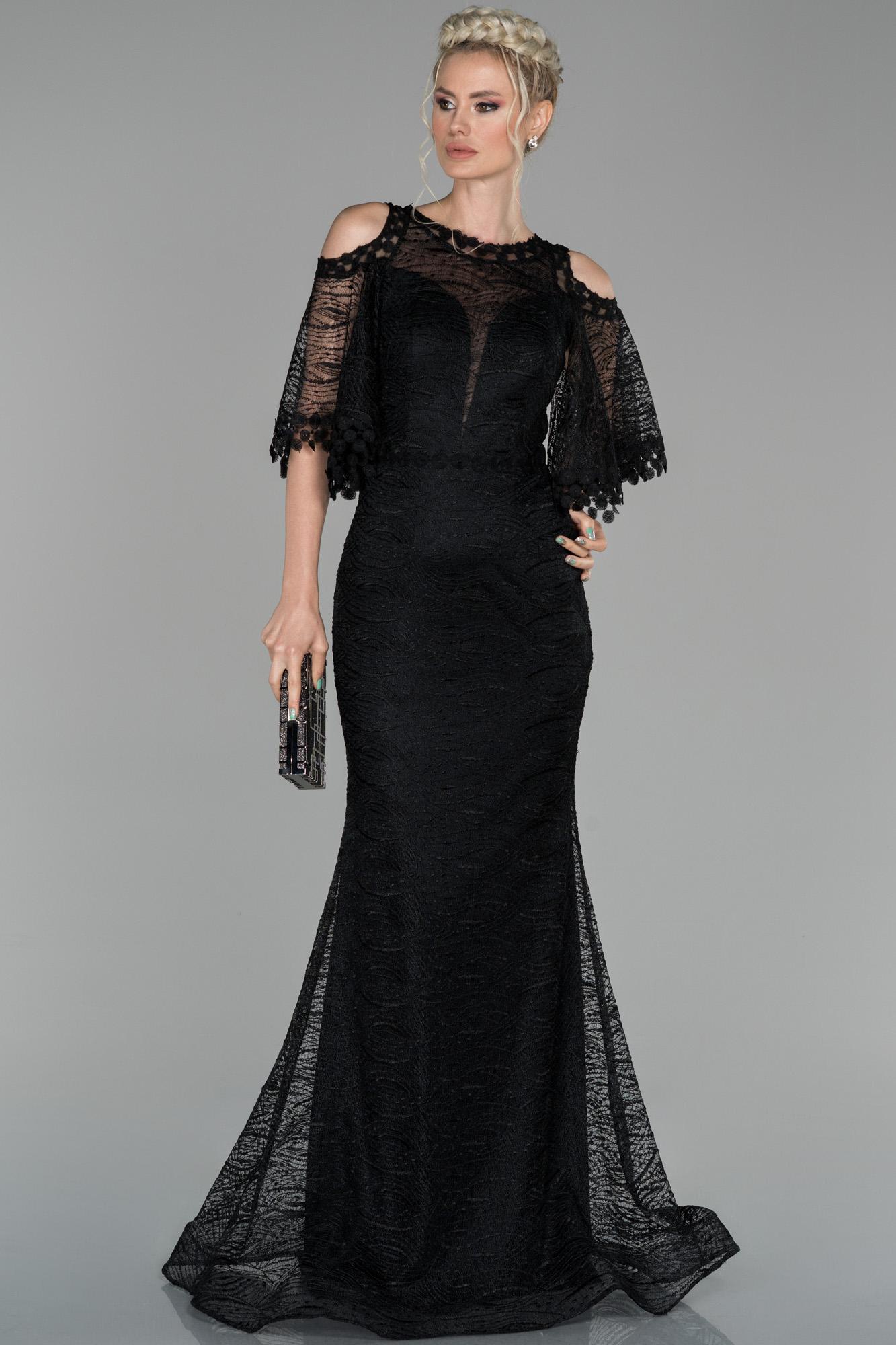 Siyah Uzun Kol Detaylı Güpür Abiye Elbise