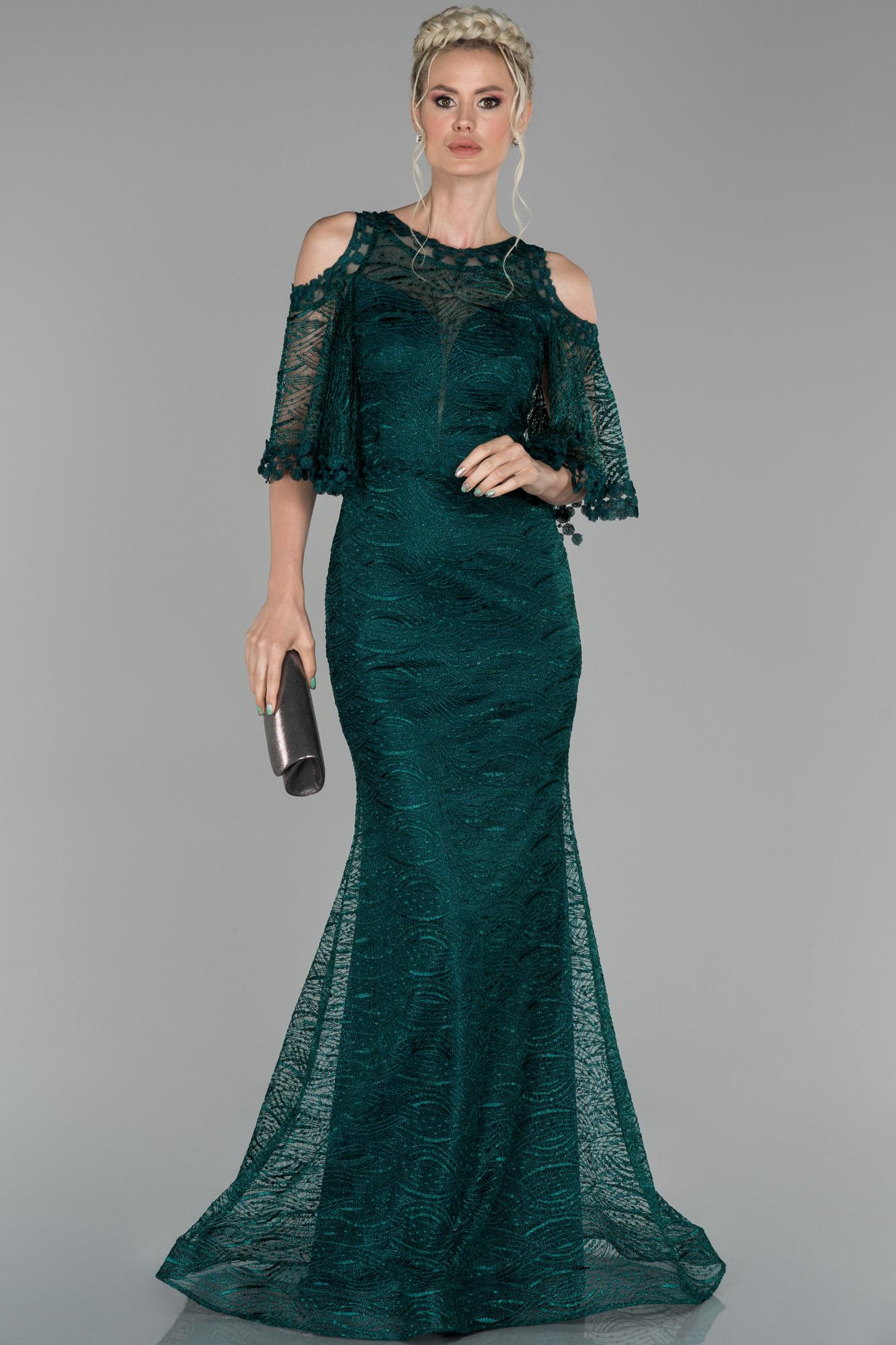 Zümrüt Yeşili Uzun Kol Detaylı Güpür Abiye Elbise