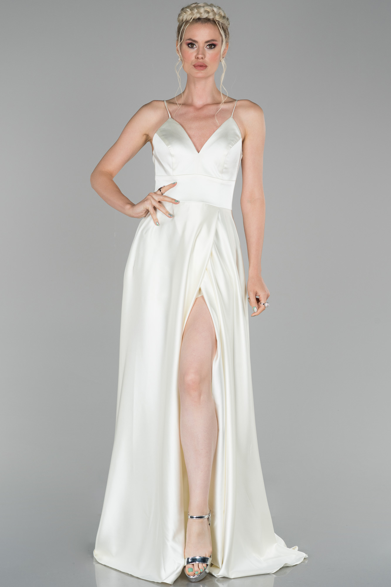 Kemik Uzun Bacak Ve Sırt Dekolteli Abiye Elbise