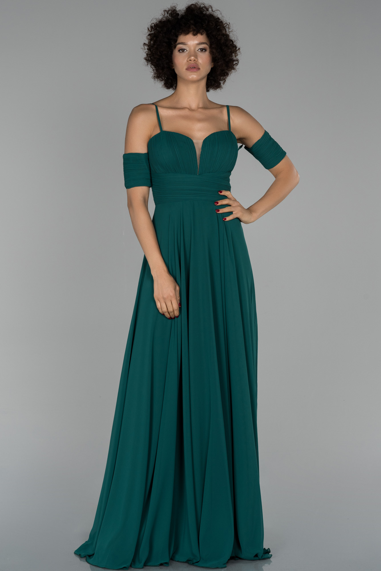 Zümrüt Yeşili Uzun Kol Detaylı Şifon Abiye Elbise