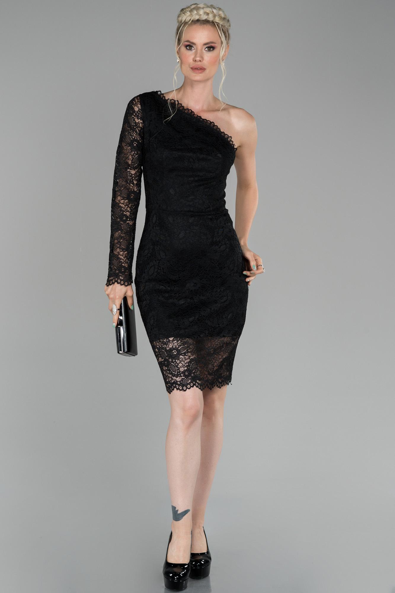 Siyah Kısa Tek Kol Güpür Detaylı Davet Elbisesi