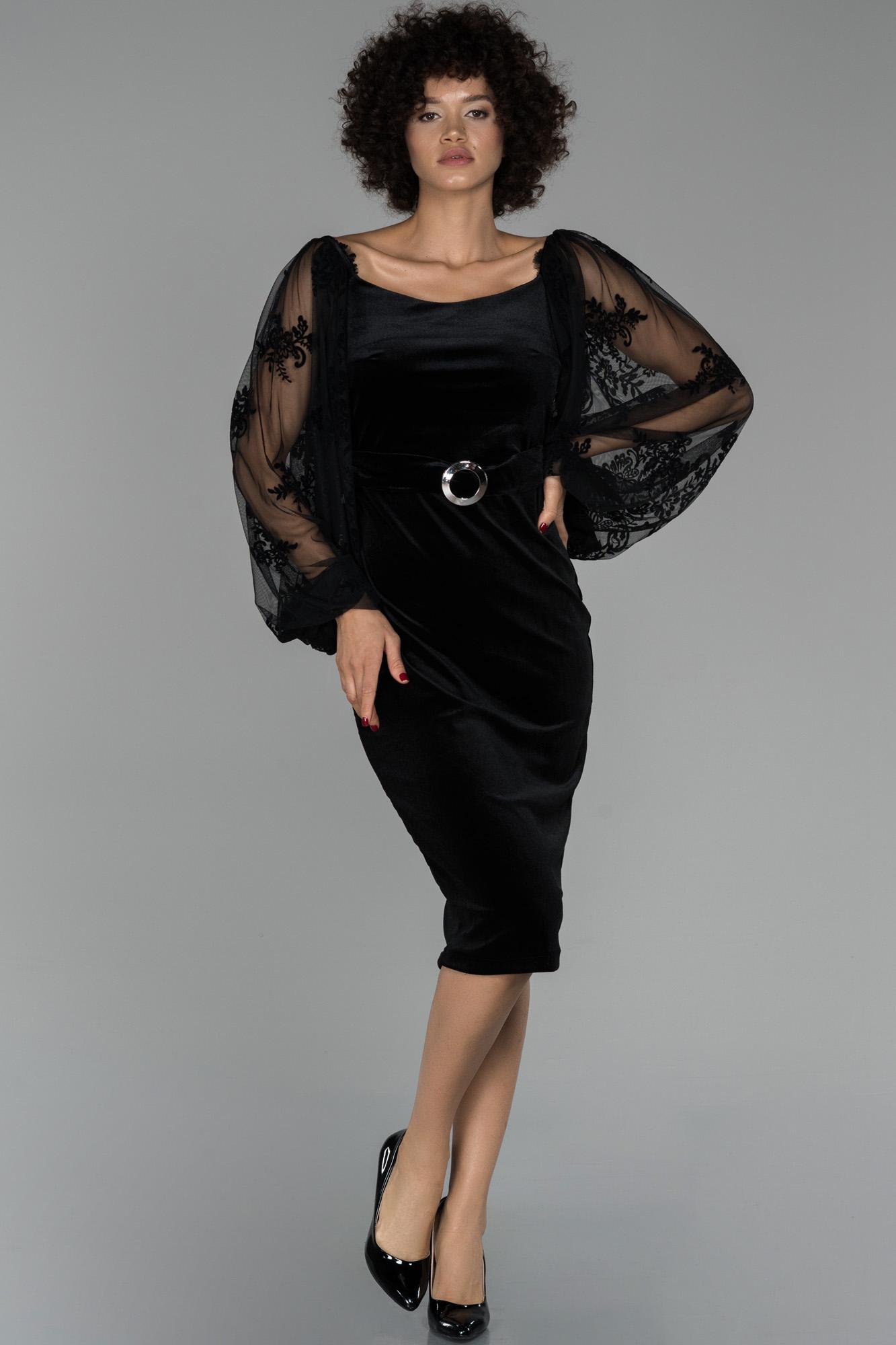 Siyah Balon Kol Kemerli Kadife Büyük Beden Elbise