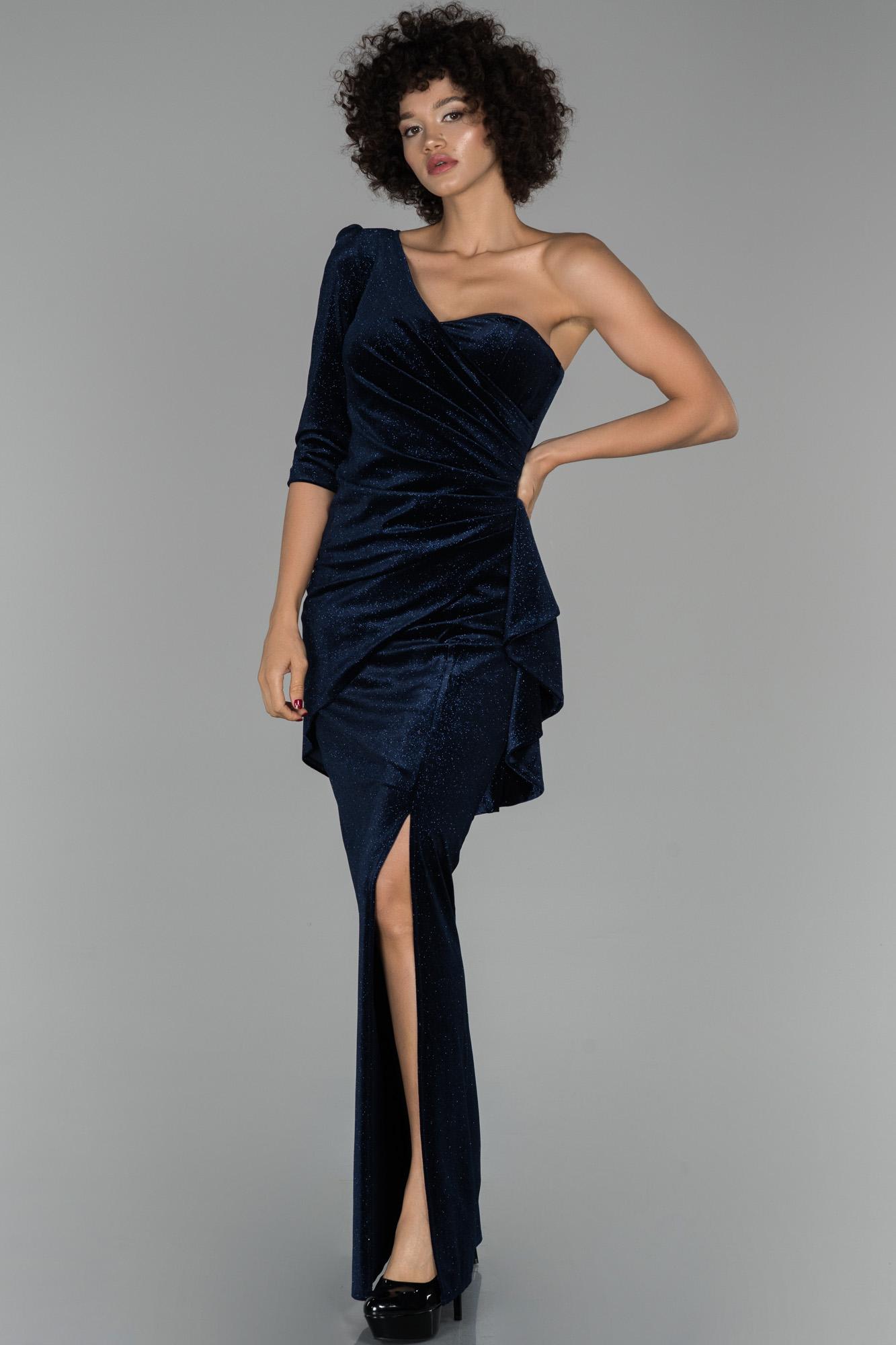 Lacivert Uzun Tek Kol Balık Kadife Abiye Elbise