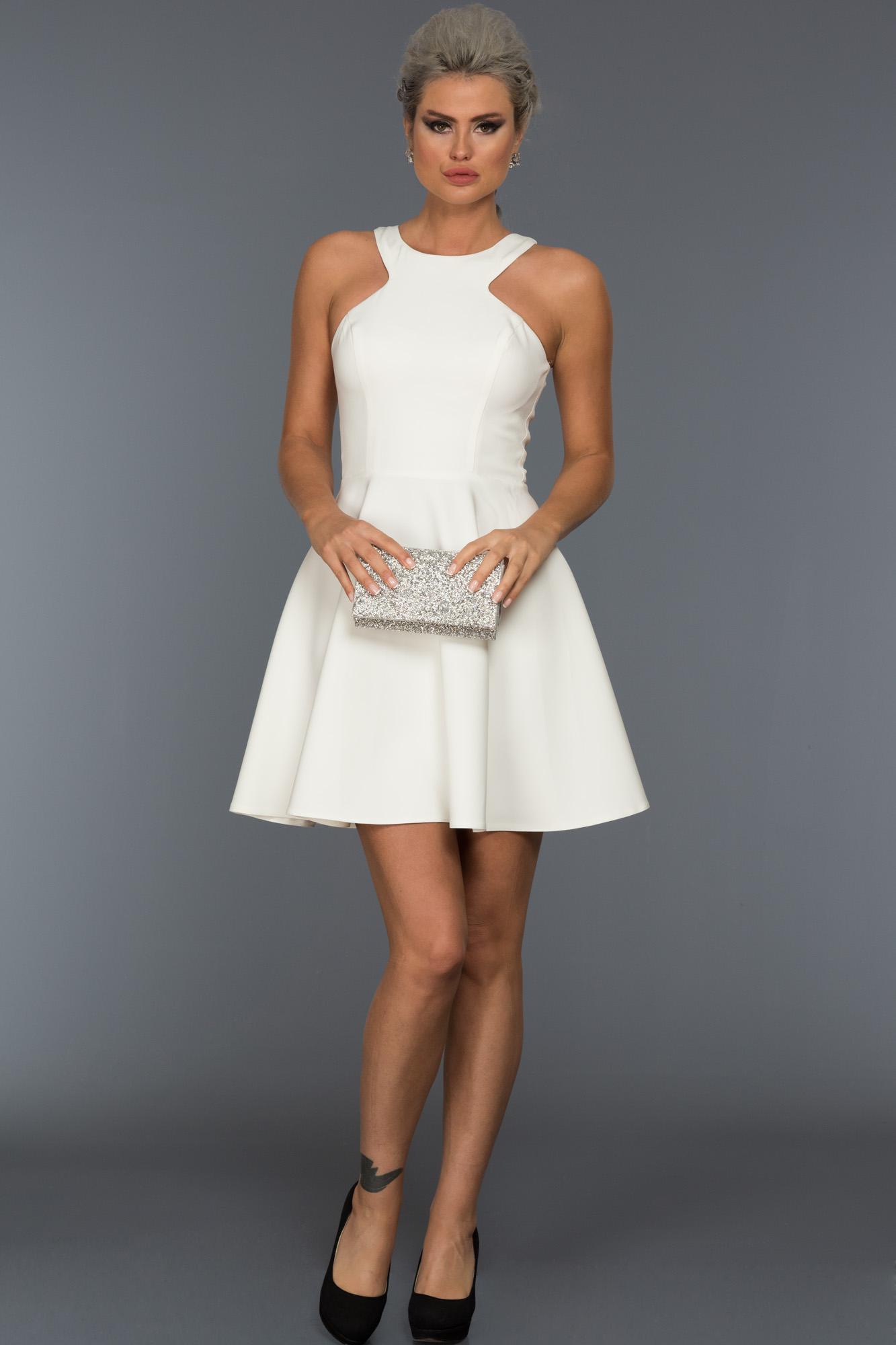 Beyaz Kısa Düz Abiye Elbise