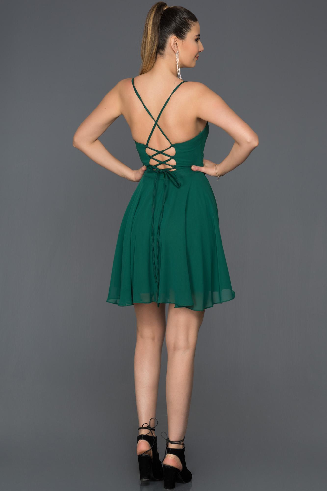 Zümrüt Yeşili Sırt Dekolteli Şifon Elbise