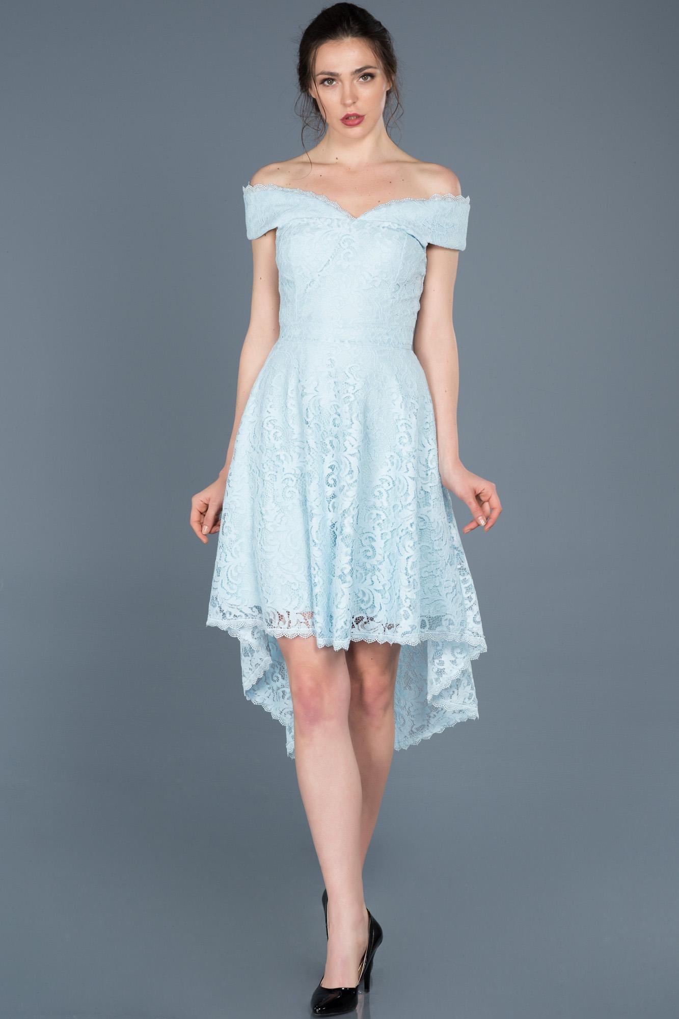 Mavi Önü Kısa Arkası Uzun Kayık Yaka Mezuniyet Elbisesi