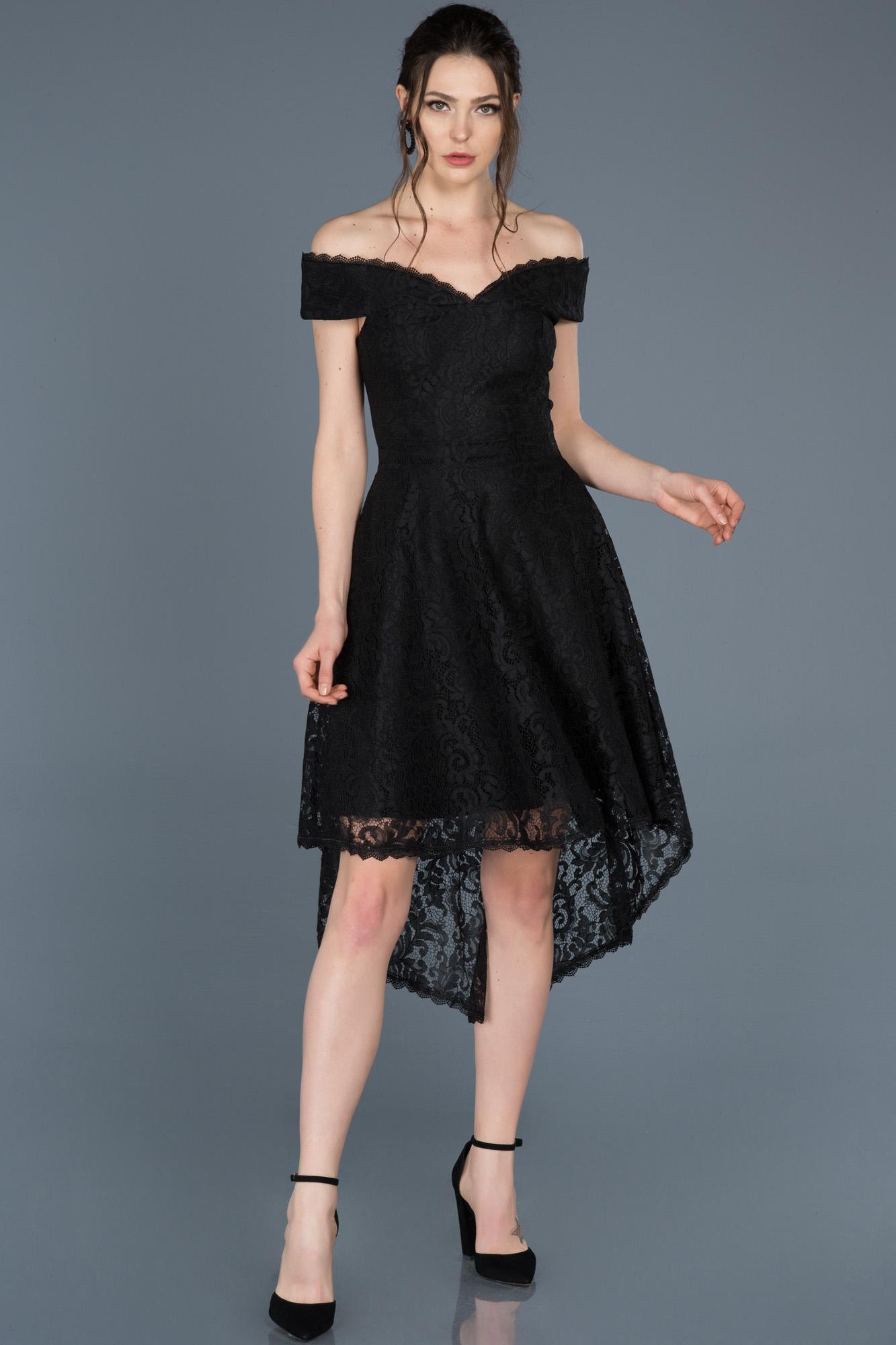 Siyah Önü Kısa Arkası Uzun Kayık Yaka Mezuniyet Elbisesi