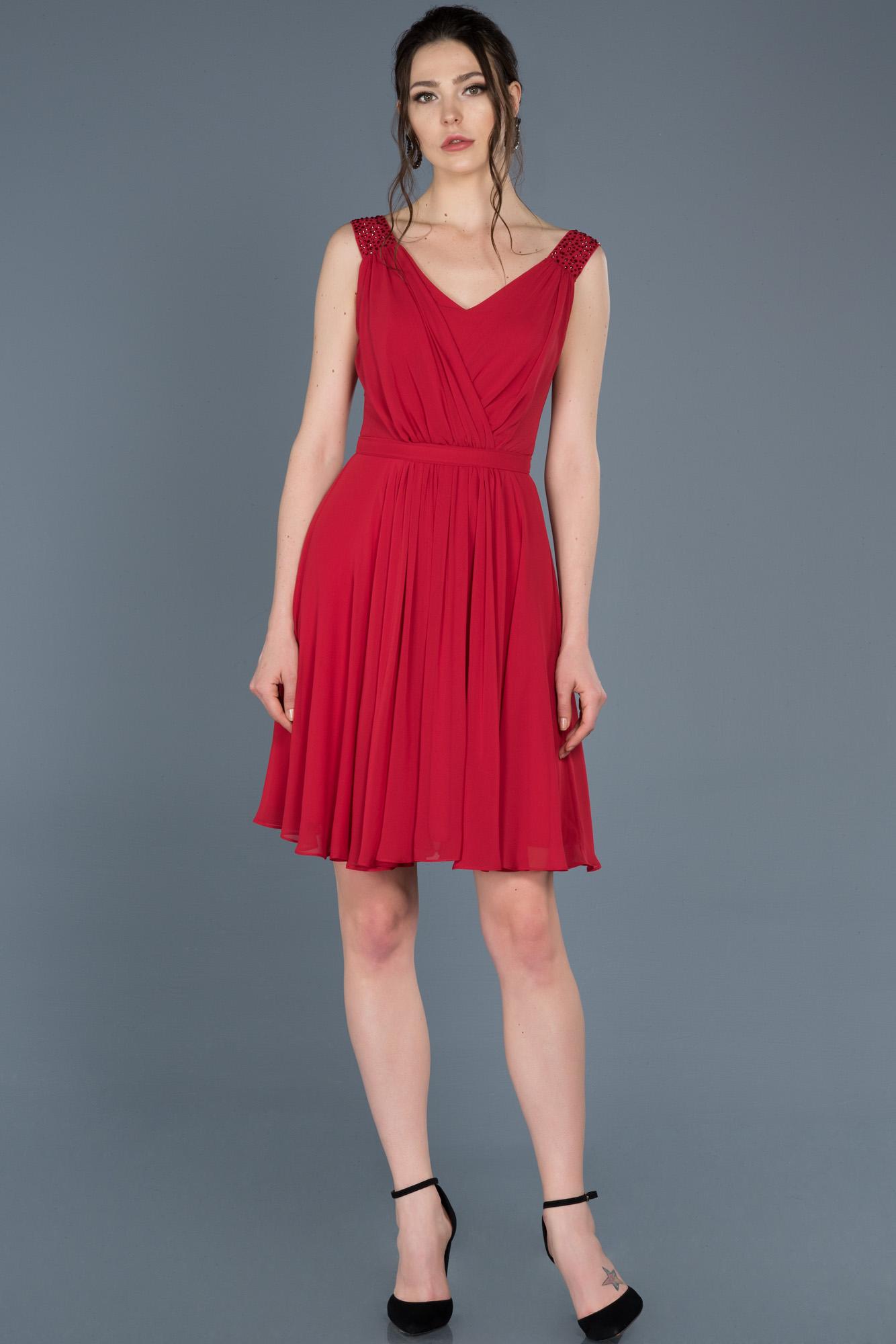Kırmızı Kısa V Yaka Mezuniyet Elbisesi